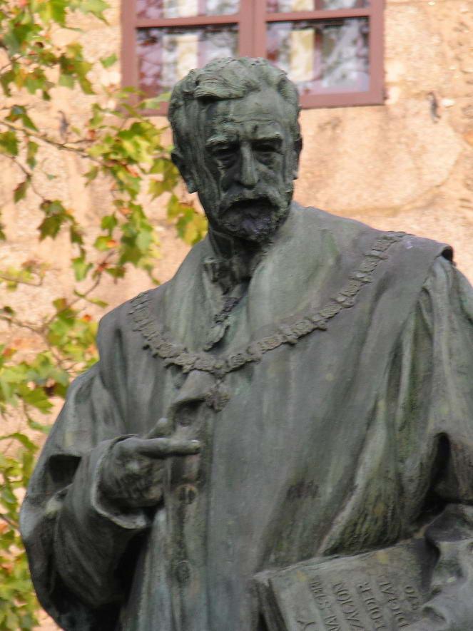 http://upload.wikimedia.org/wikipedia/commons/9/90/Eugenio_Montero_Rios-Santiago-Galiza.jpg