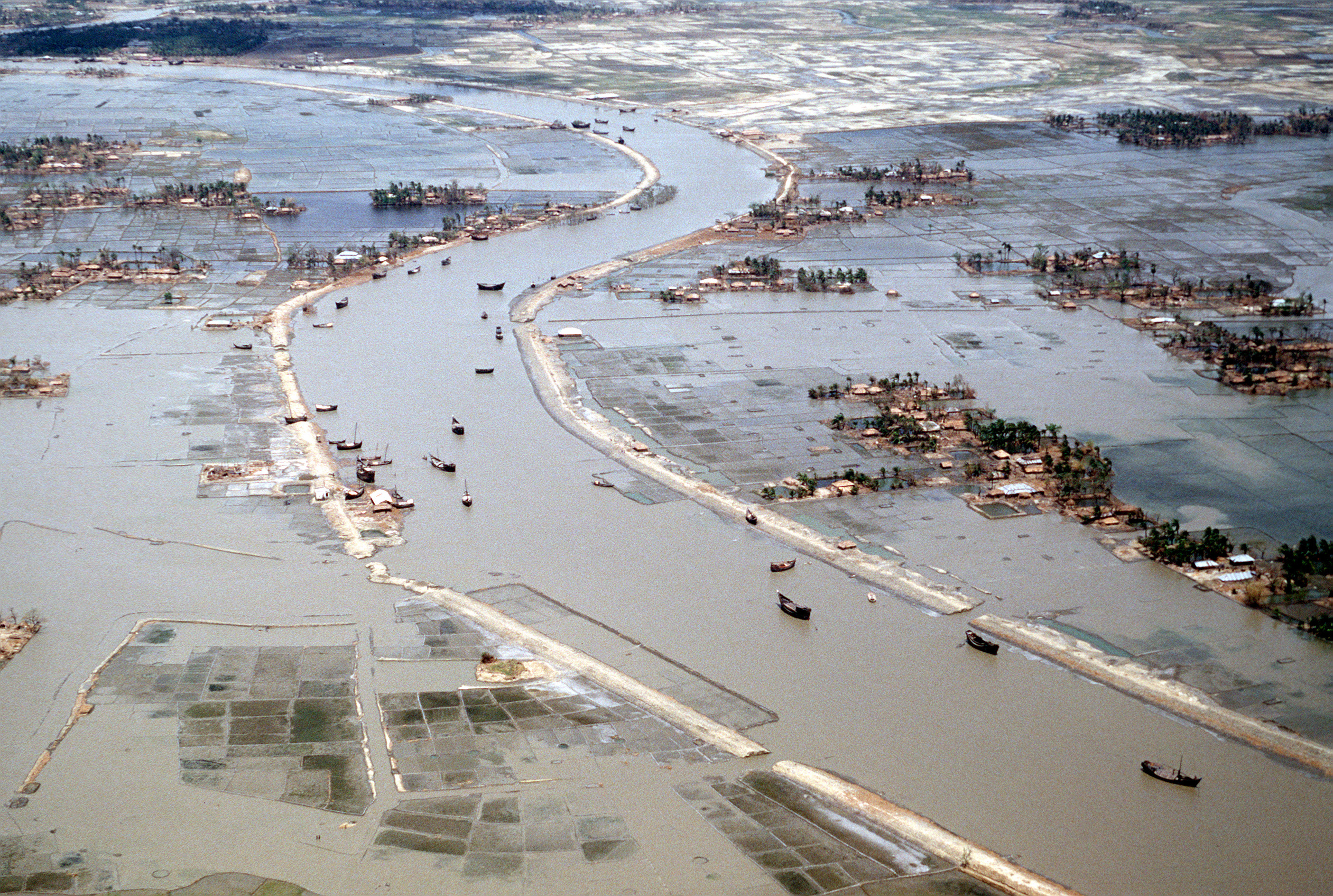 File:Flooding after 1991 cyclone.jpg