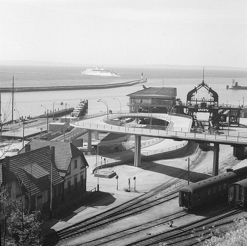 fährhafen sassnitz gmbh handelsregister