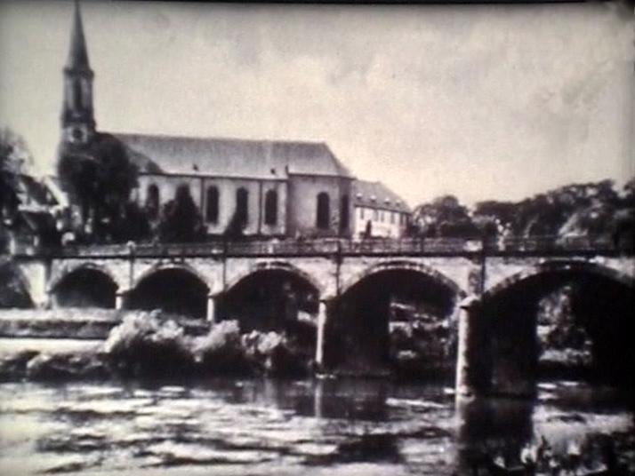 Brücke über die Saar und den Saarkanal, verbindet die Orte Kleinblittersdorf und Grosbliederstroff, originaler Brückenbau von 1880.