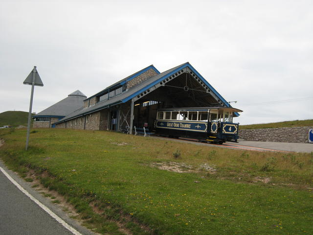 File:Great Orme Tramway midway station - geograph.org.uk - 559550.jpg