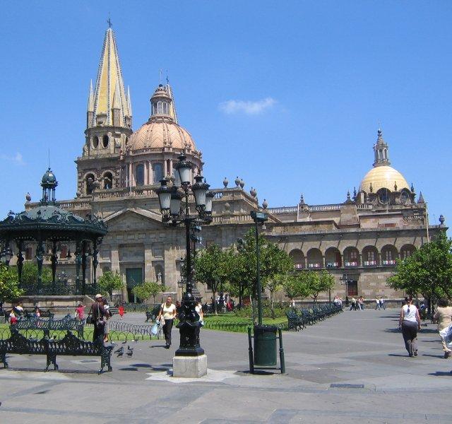 File Guadalajara Zocalo 2005 Jpg Wikimedia Commons
