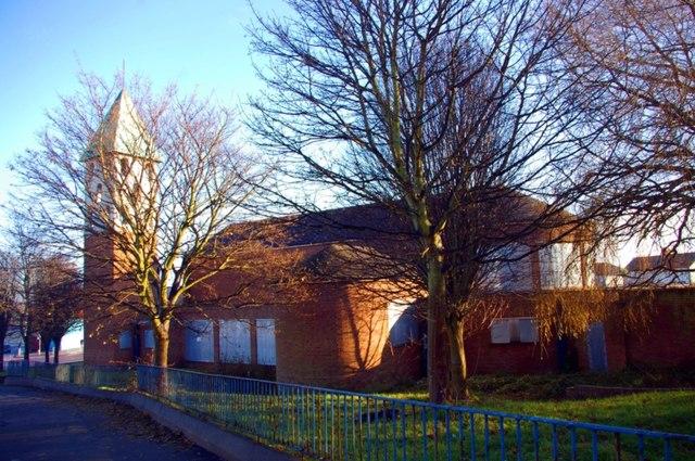 File:Holy Cross Church, Birkenhead (geograph 2187872).jpg