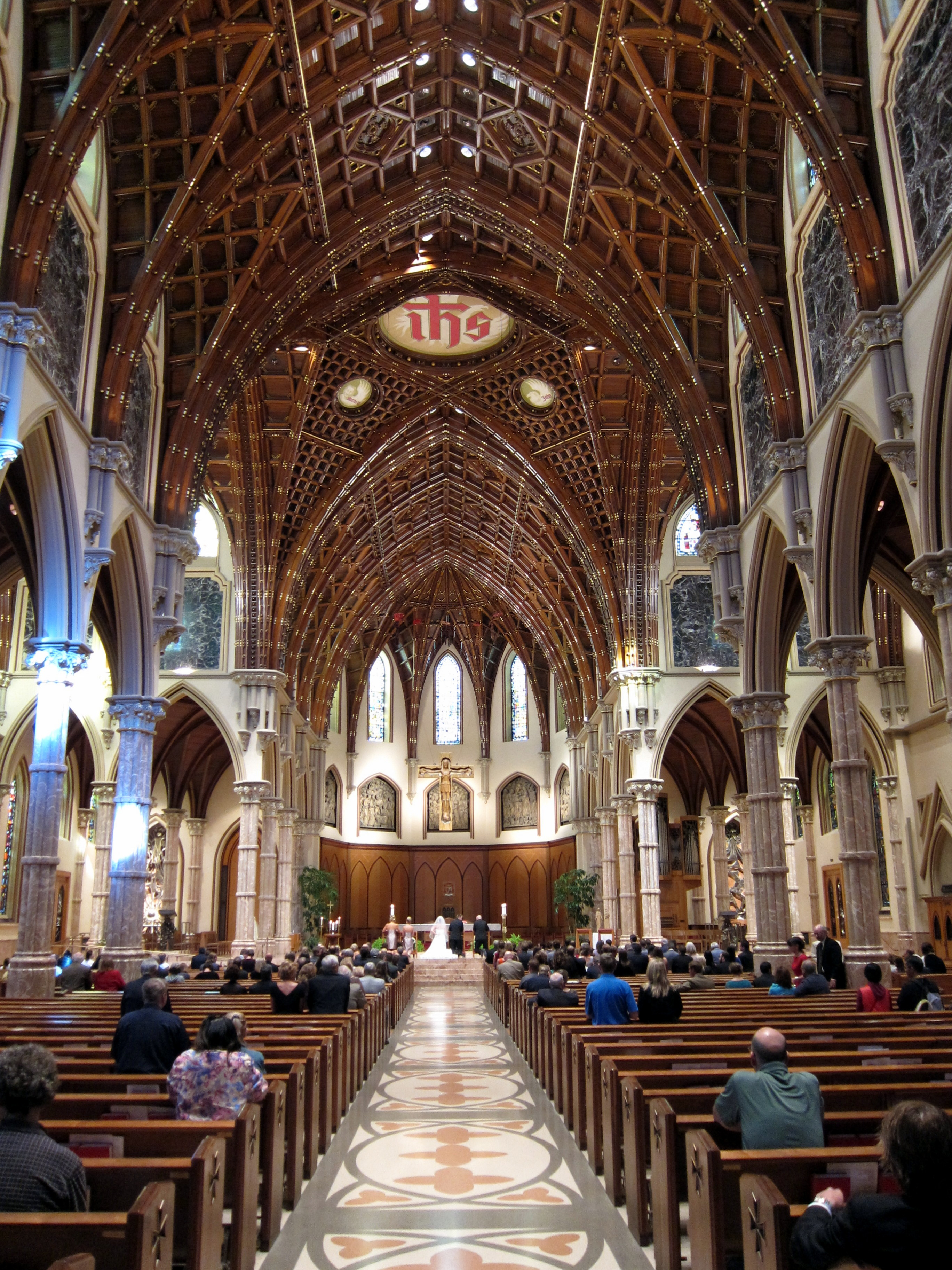 Holy Name Cathedral (Chicago, Illinois)   interior, nave during a wedding - Western Wedding University