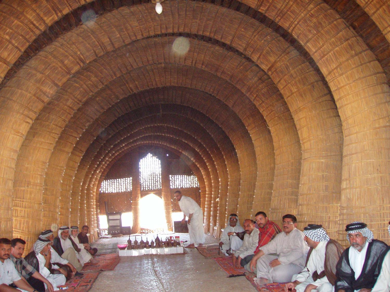 file:iraqi mudhif interior - wikimedia commons
