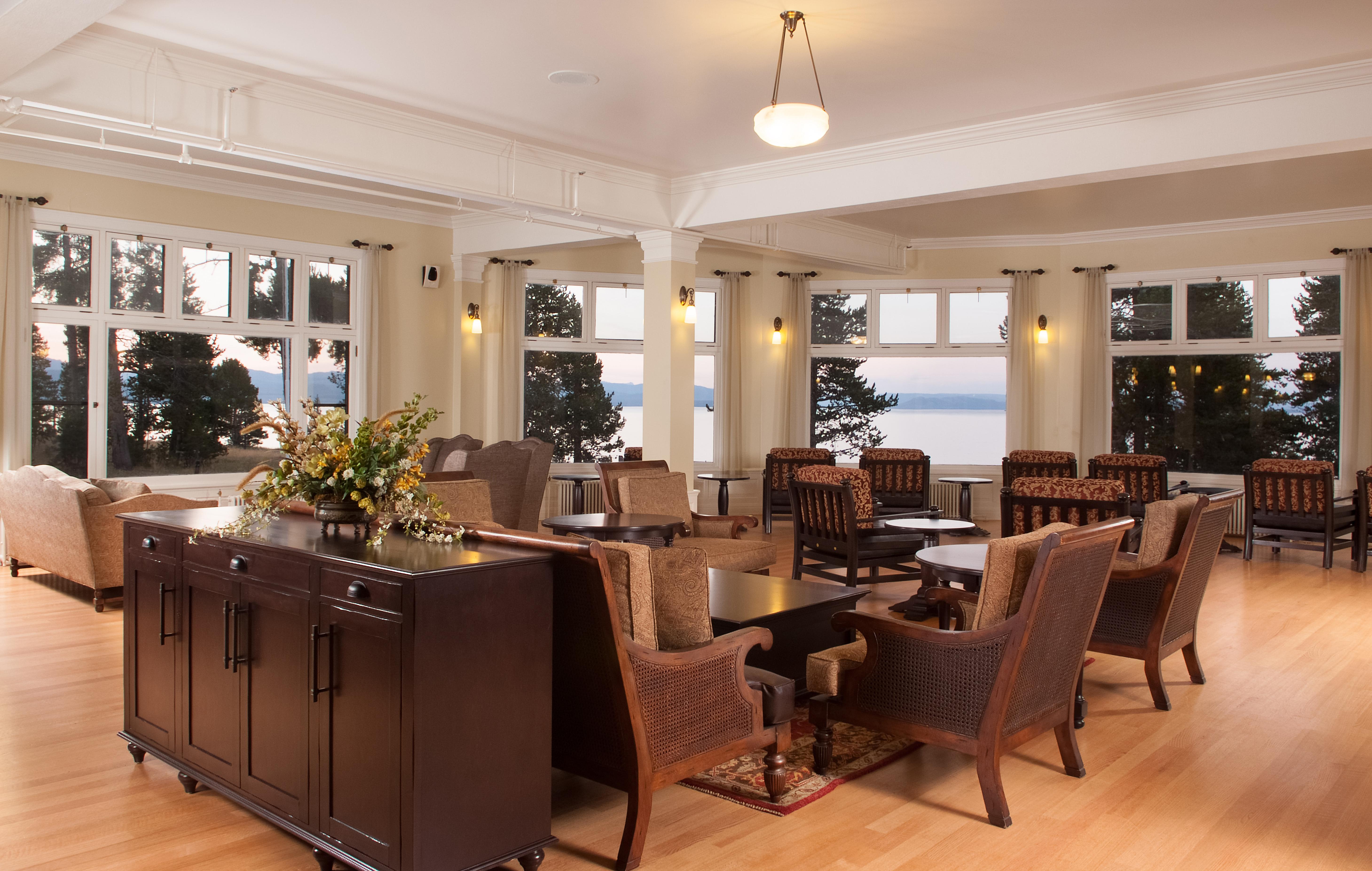 Old Faithful Inn Dining Room File Lake Yellowstone Hotel Sunroom 3 17158561455 Jpg