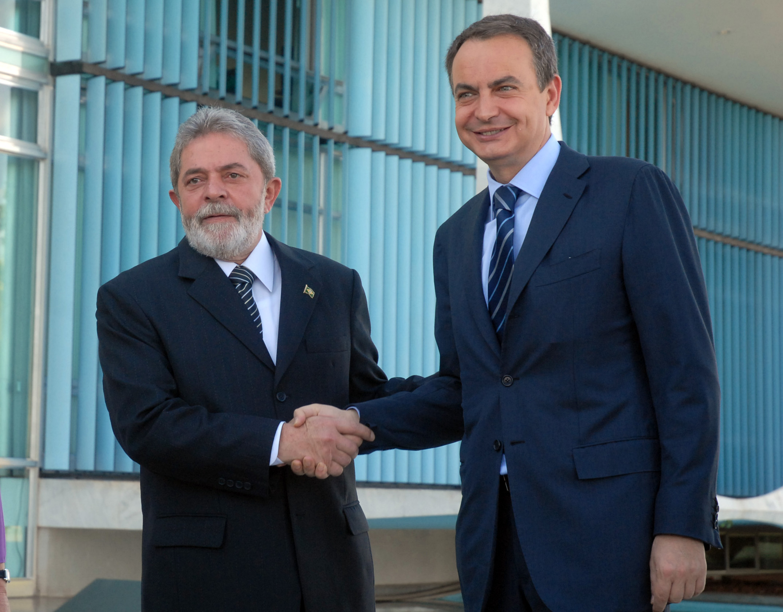 Lula é personalidade ibero-americana do ano, aponta jornal