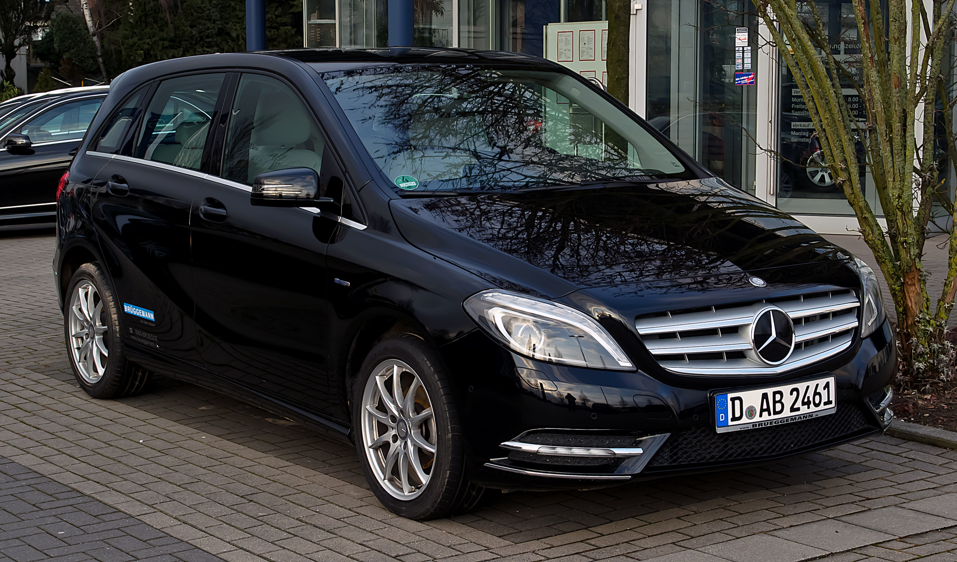 datei mercedes benz b 180 cdi blueefficiency w 246 frontansicht 25 februar 2012 mettmann. Black Bedroom Furniture Sets. Home Design Ideas