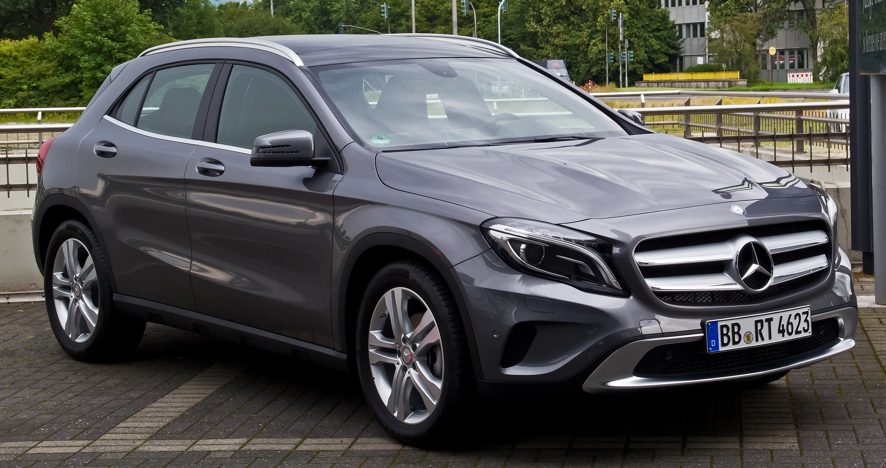 file mercedes benz gla 200 cdi 4matic urban x 156 frontansicht 29 juni 2014 d sseldorf. Black Bedroom Furniture Sets. Home Design Ideas