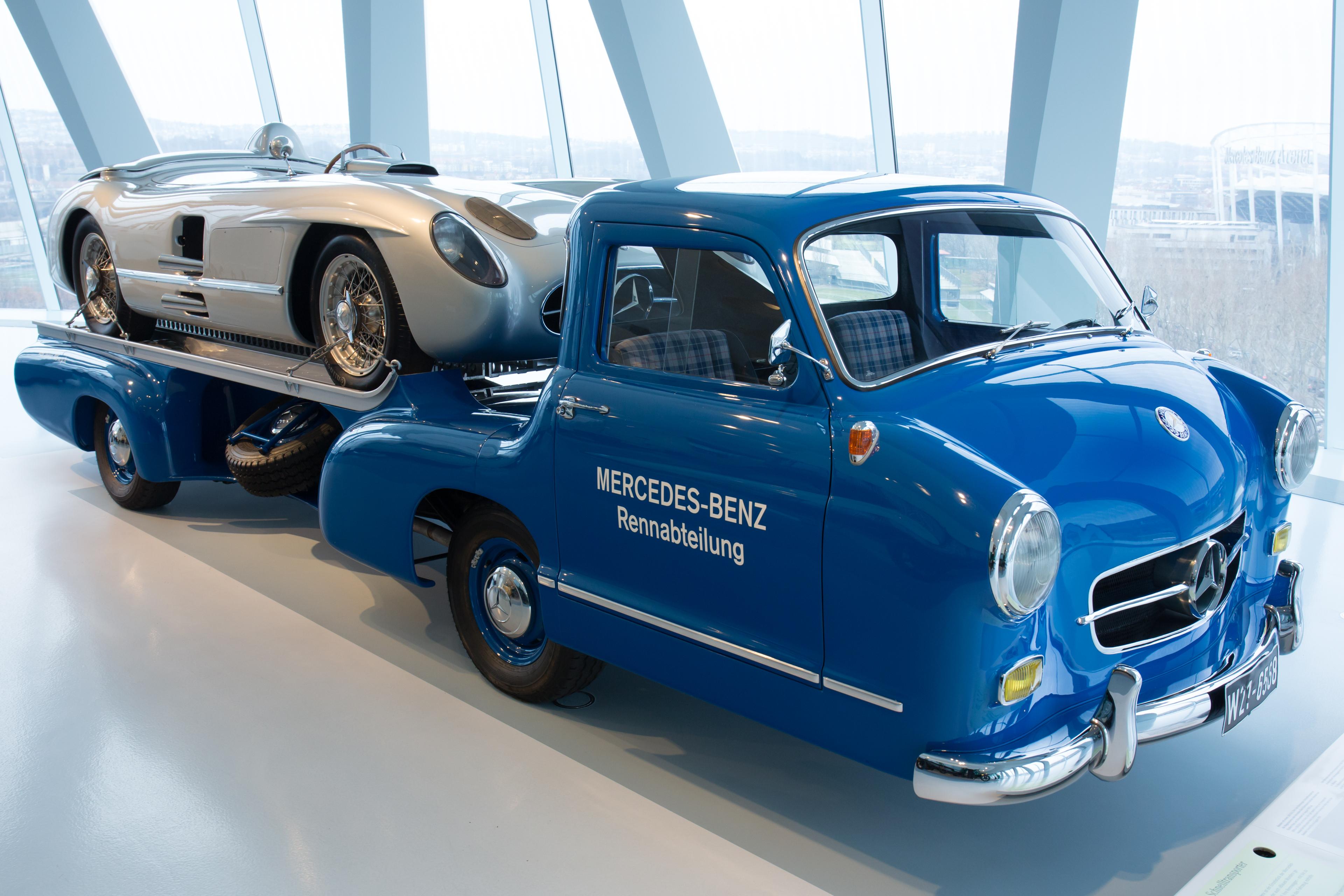 File:Mercedes-Benz Renntransporter front-right Mercedes ...