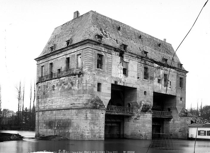 Architecte maisons laffitte latest chateau of built in for Architecte du patrimoine