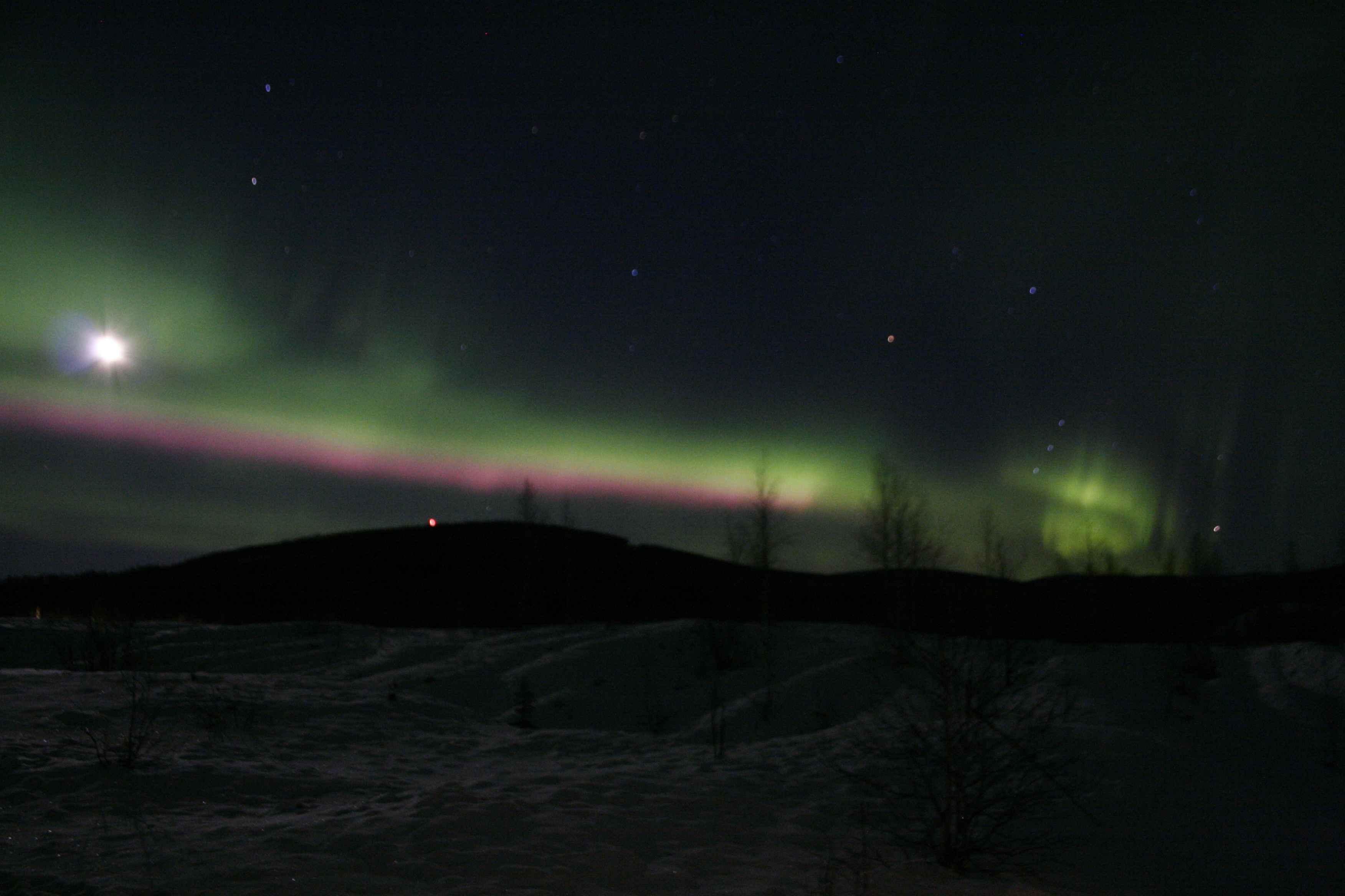 FileNorthern lights Alaska aurora borealis lights at nightg