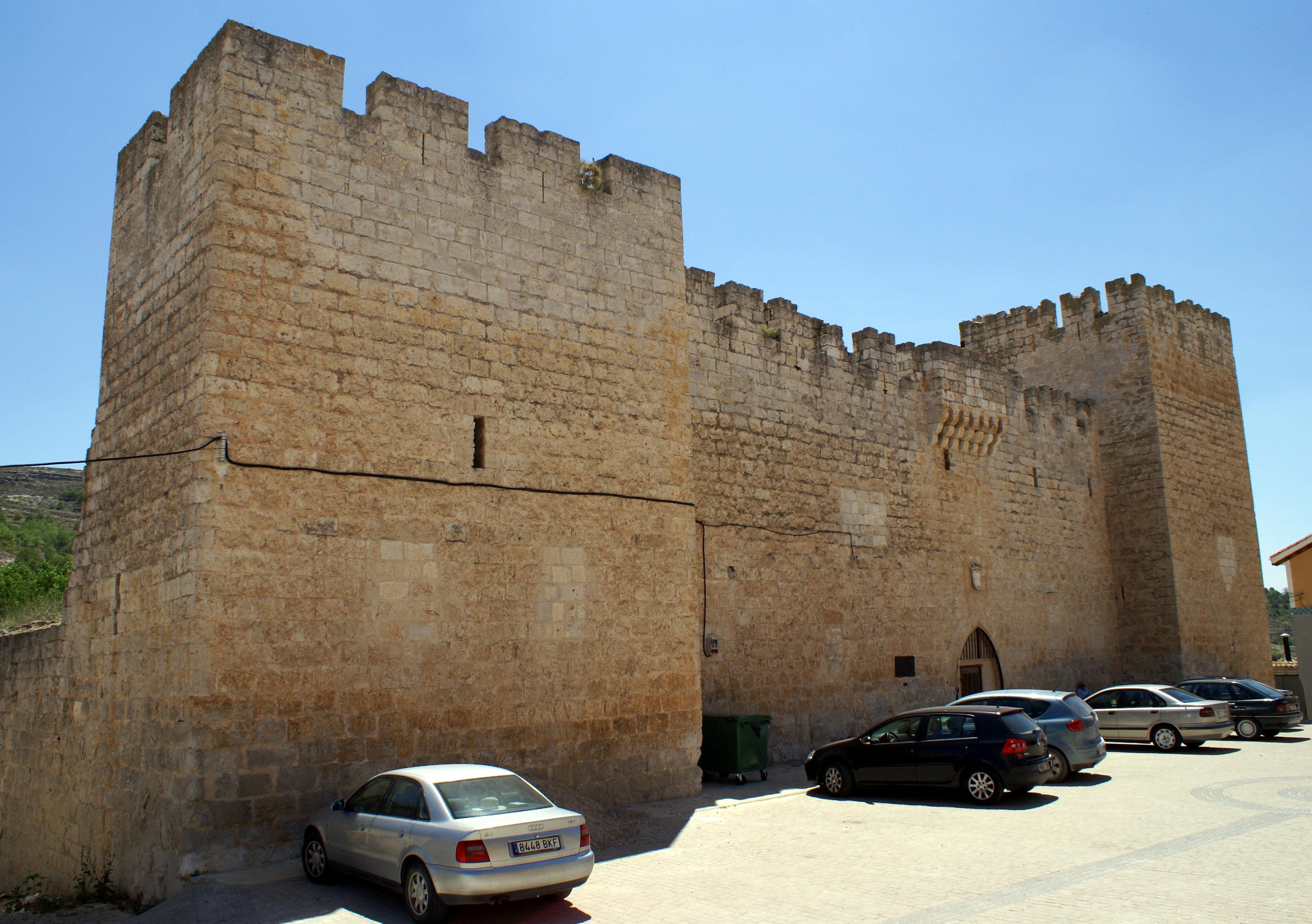 File Palacio De Los Zúñiga De Curiel De Duero Jpg Wikimedia Commons