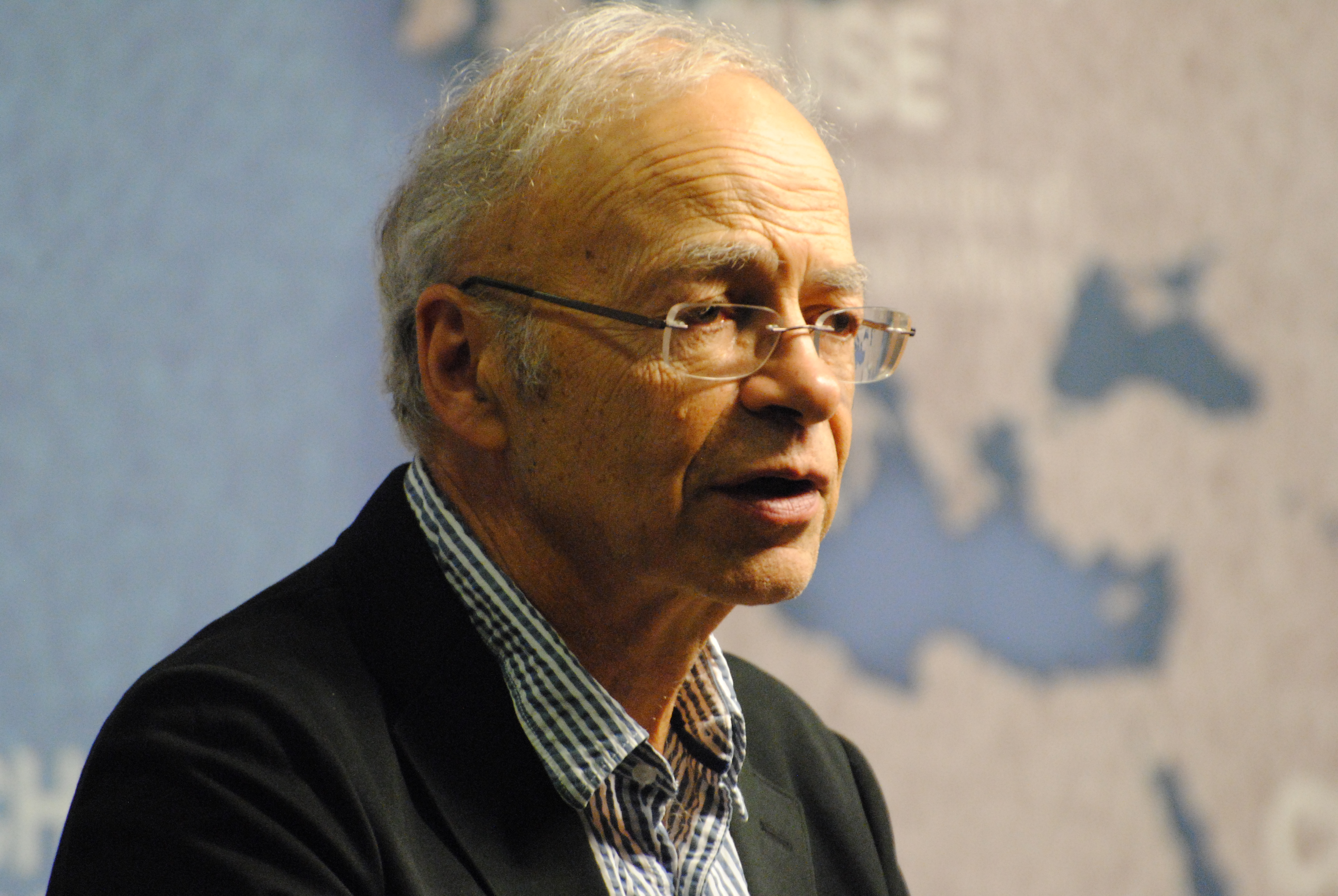 a response to peter singers famine affluence and morality Famine, affluence, and morality peter singer's article, famine, affluence, and morality, presents a strong view on the moral values which people all around the world today are giving to the global famine taking place these days.