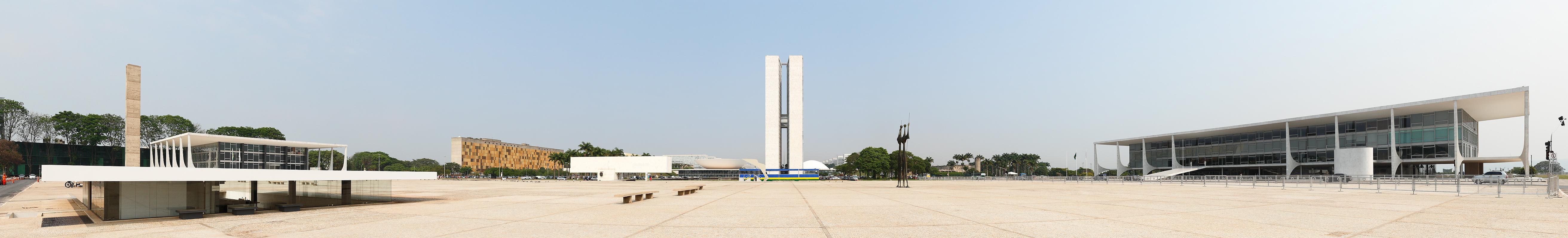 File:Praça 3 Poderes Brasília panorama.jpg