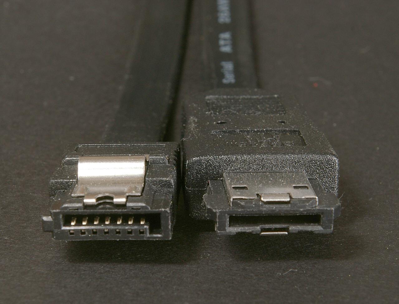 SATA2 und eSATA-Stecker.jpg
