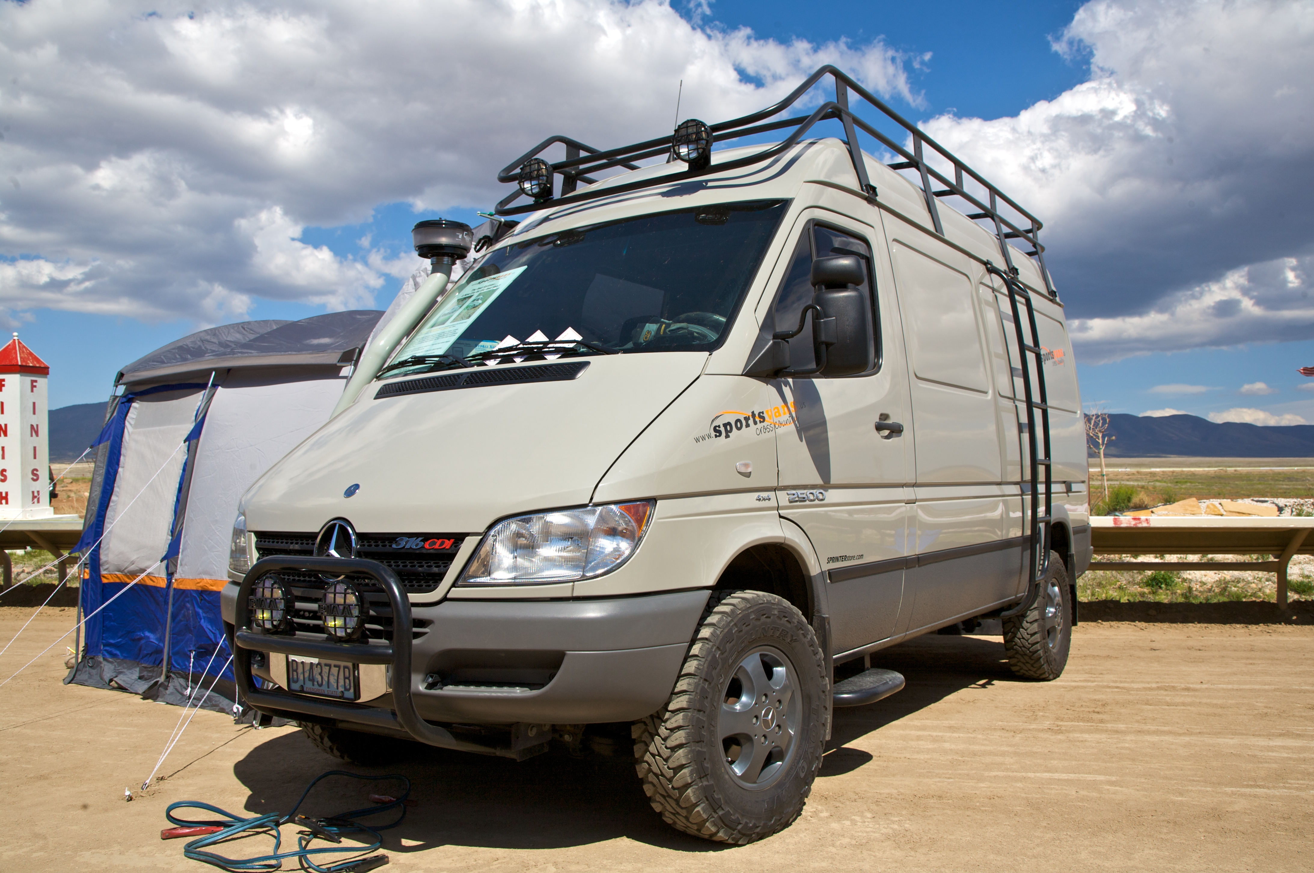 Filesprinter With A 4x4 Conversion Wikimedia Commons 2012 Sprinter Fuel Filter Location