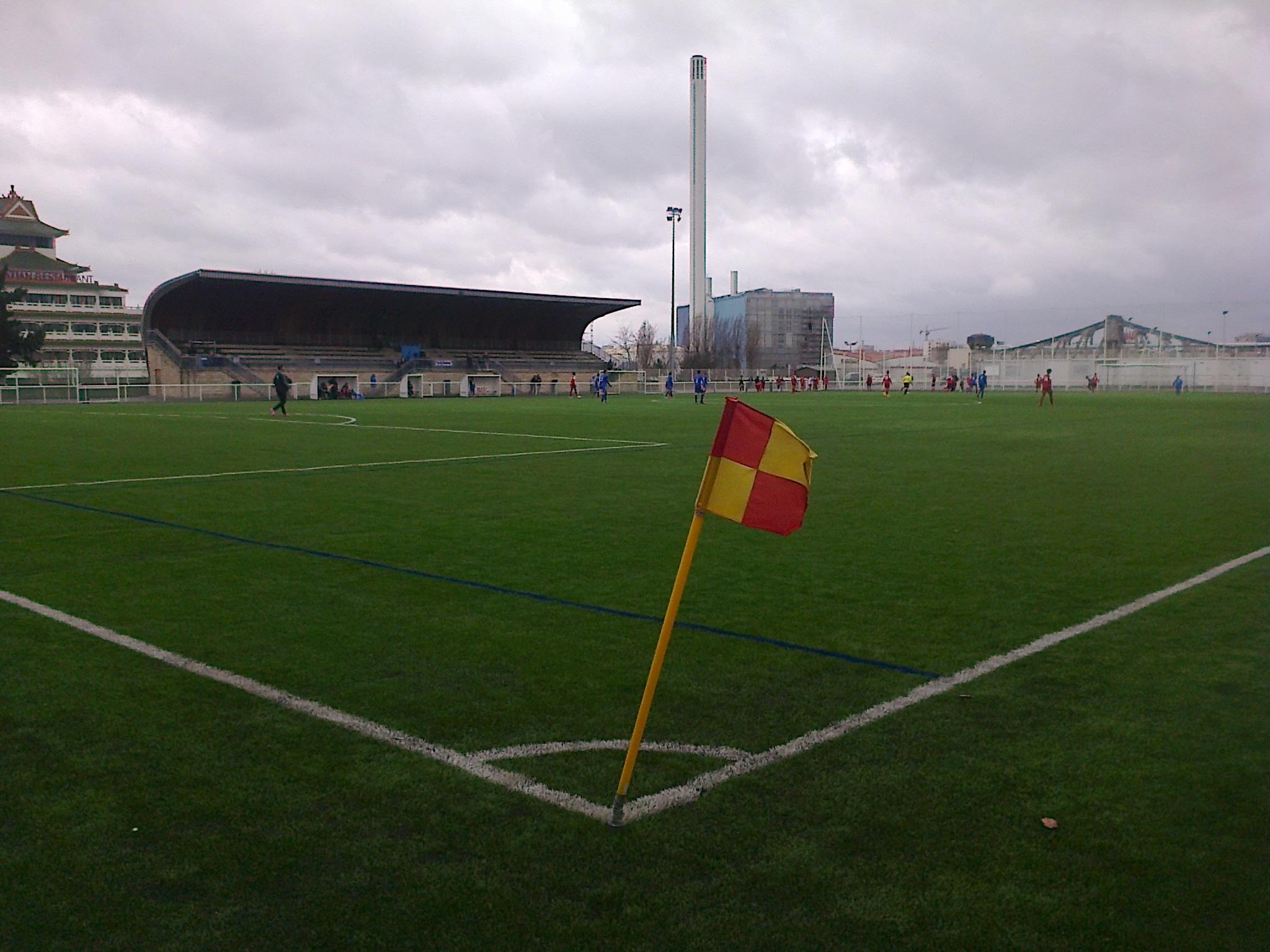 Fichier Stade Henri Guerin Charenton Le Pont Jpg Wikipedia