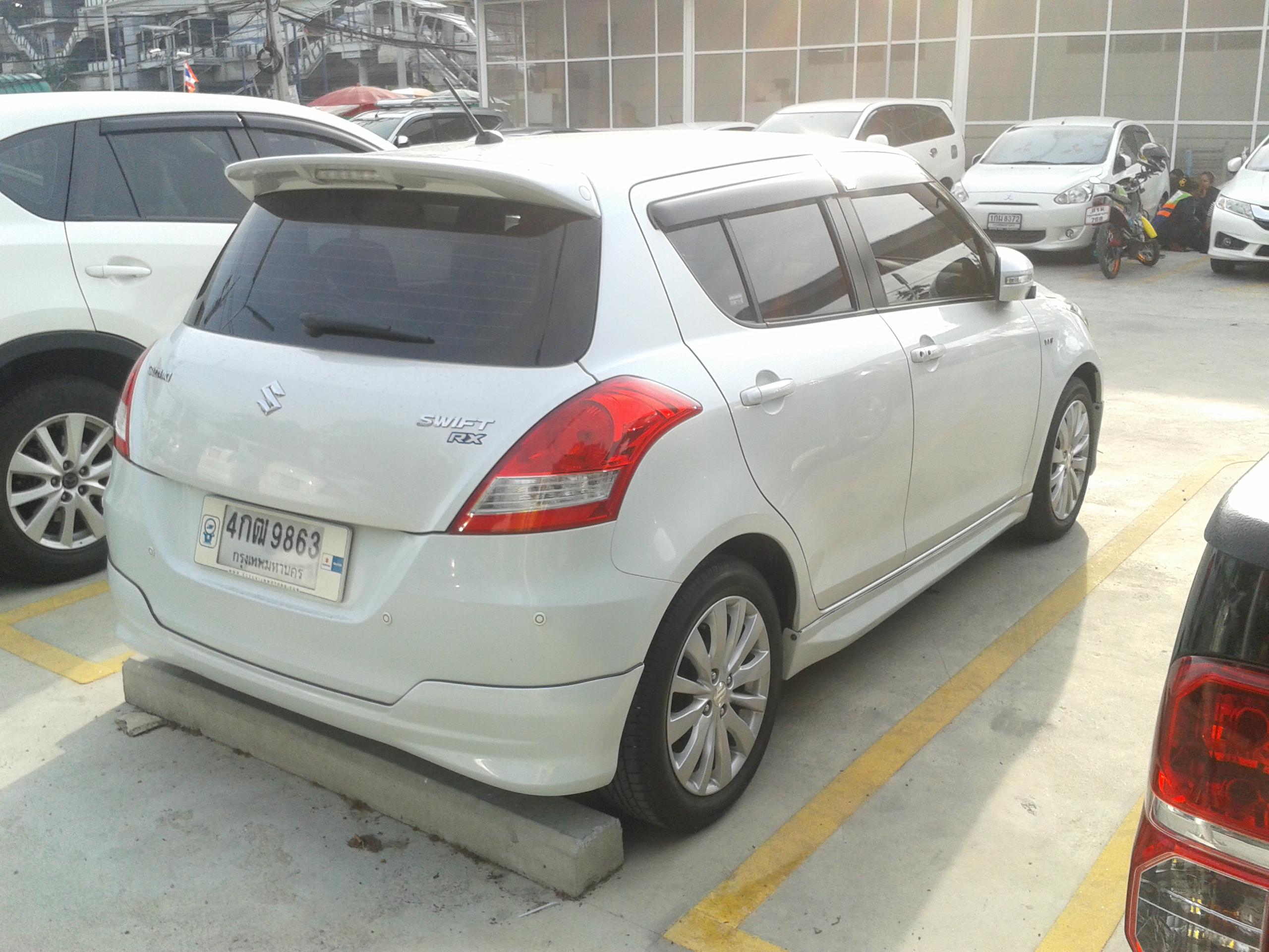 File Suzuki Swift Rx 2015 In Bangkok Thailand Rear Jpg Wikimedia