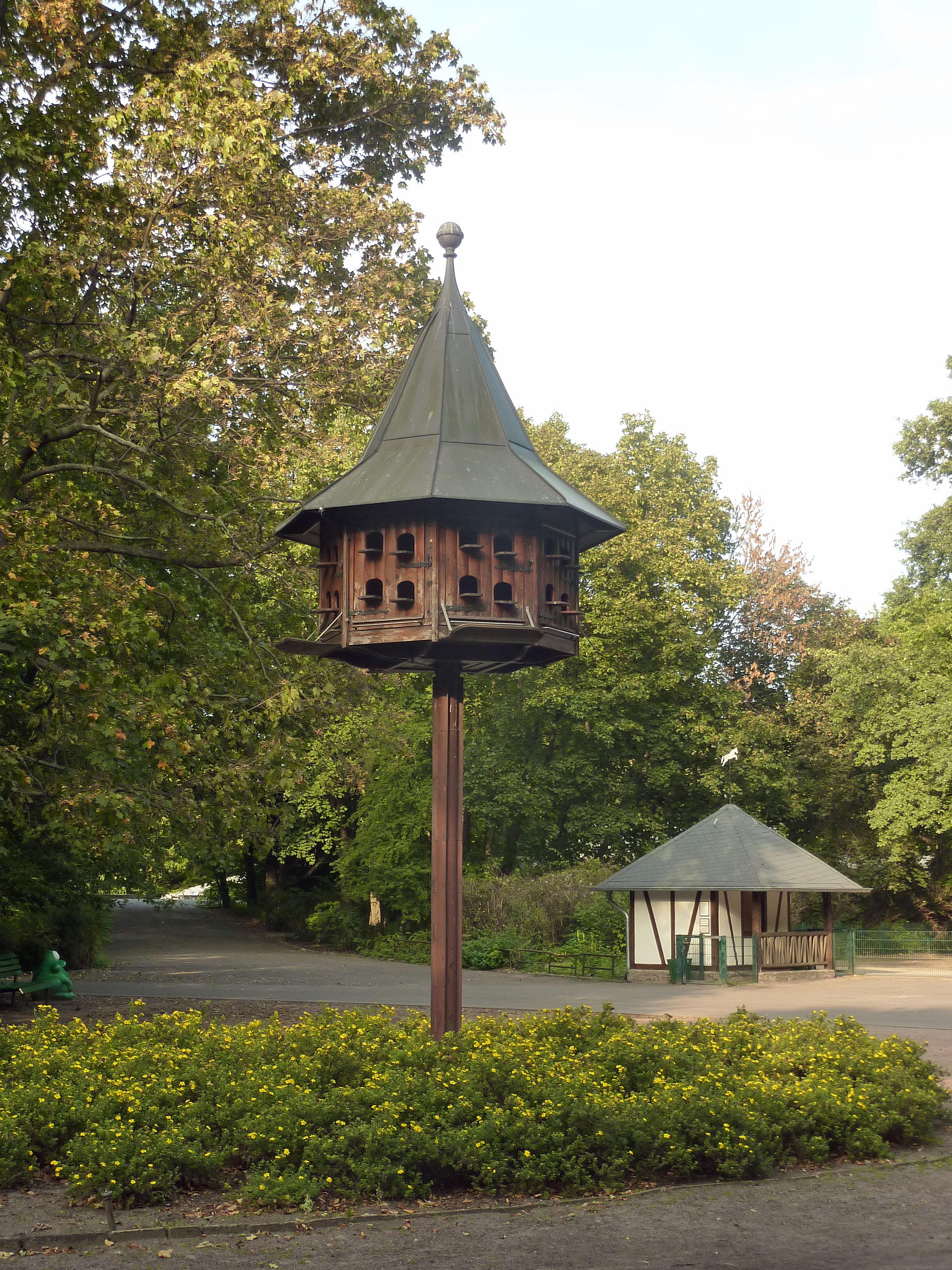 file taubenhaus tierpark berlin 620 wikimedia commons. Black Bedroom Furniture Sets. Home Design Ideas
