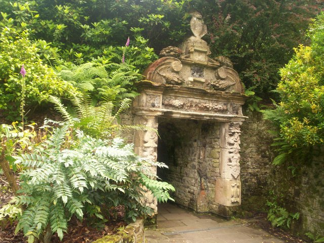 The Bear Pit in Wentworth Woodhouse Gardens - geograph.org.uk - 881745