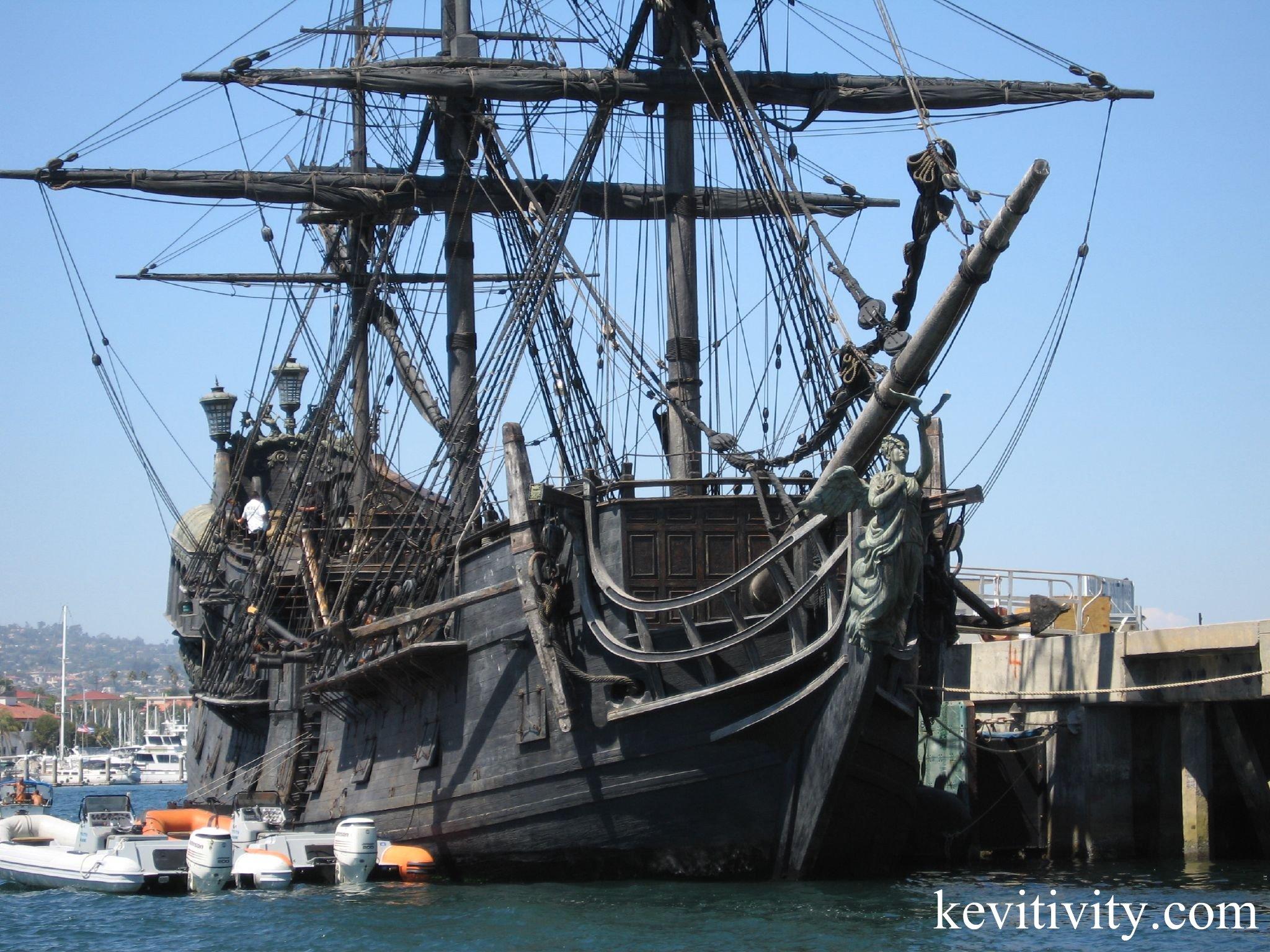 Bateau Pirates  1/72 The_Black_Pearl,_San_Pedro_Harbor