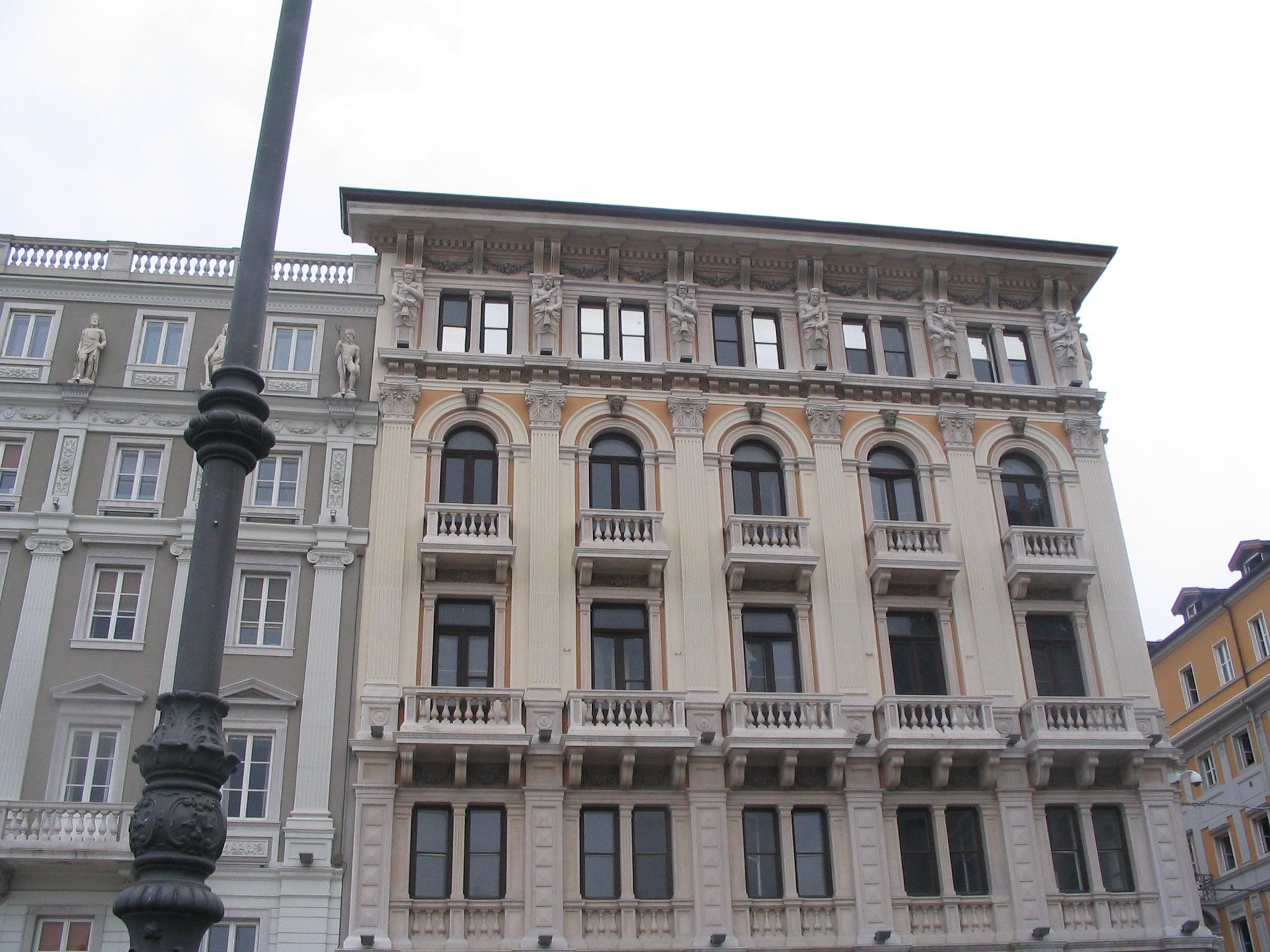 File:Trieste, Palazzo Modello (2005).jpg - Wikipedia