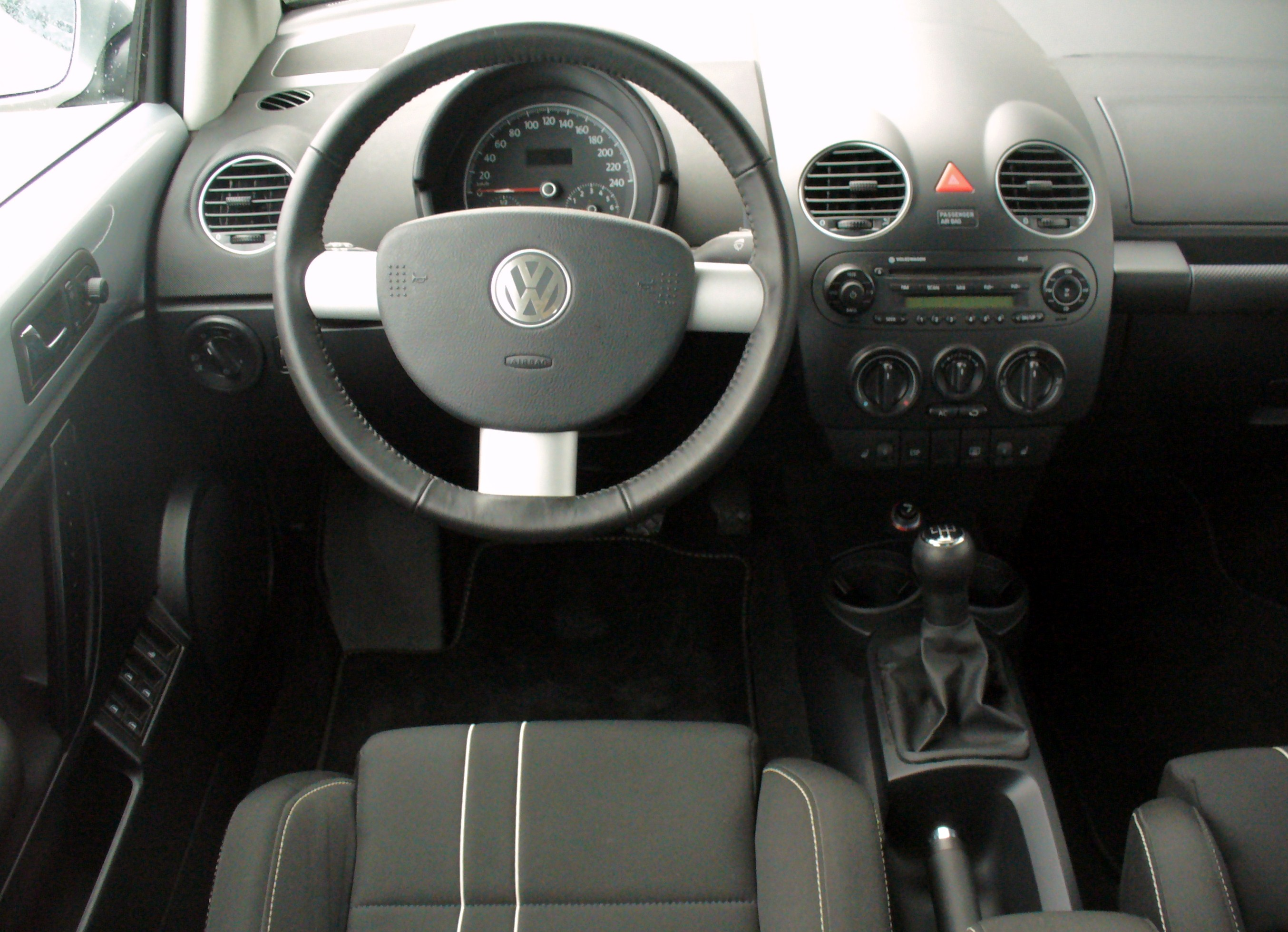 file vw new beetle 1 6 freestyle reflexsilber interieur ForInterieur New Beetle