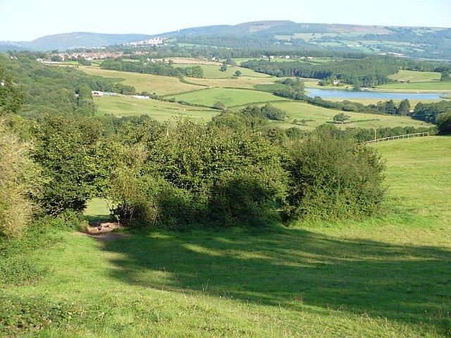 View northwest from Ridgeway - geograph.org.uk - 624897