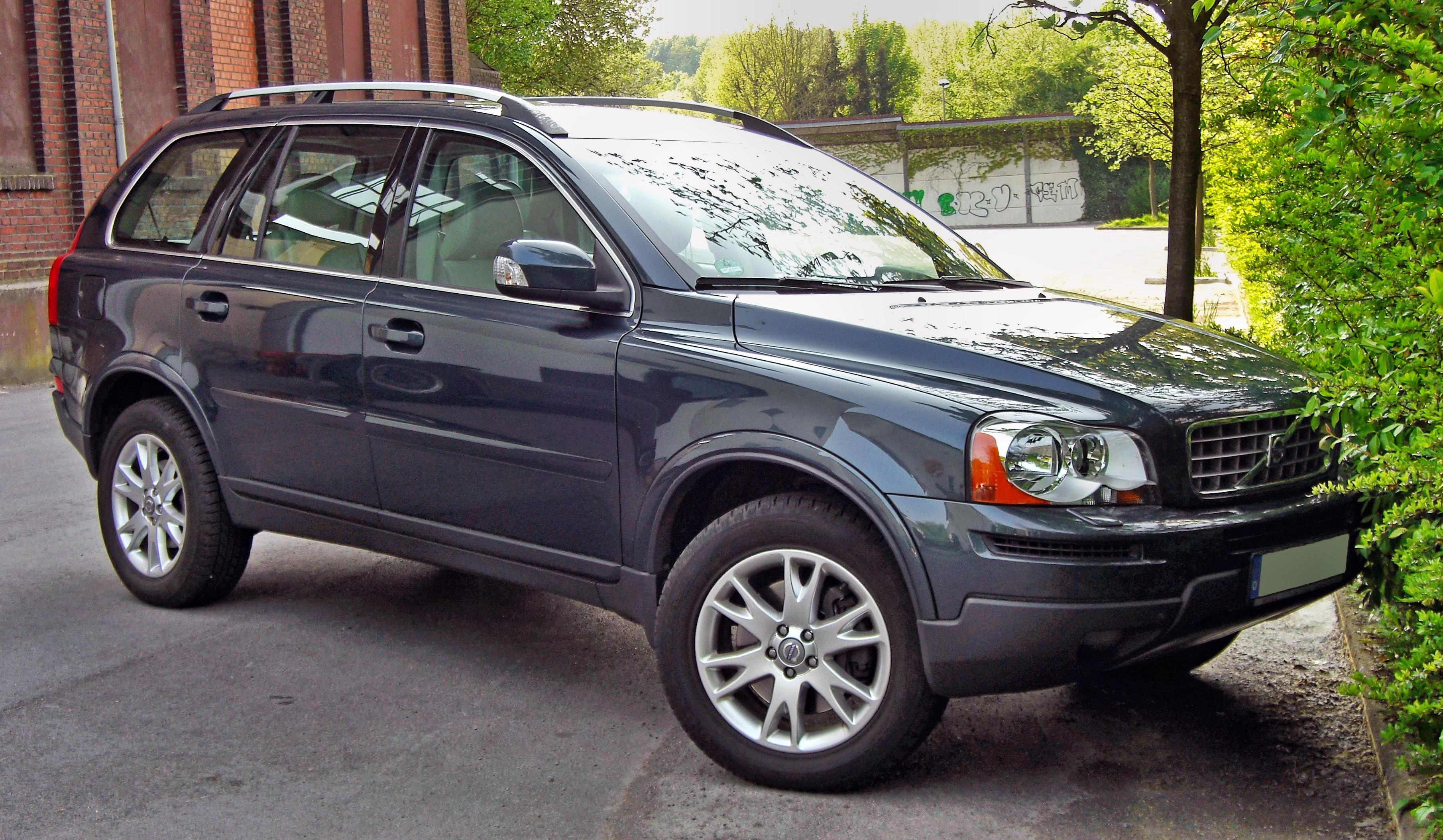 great what review road suv carsnip up reviews the going com volvo not mountain s car