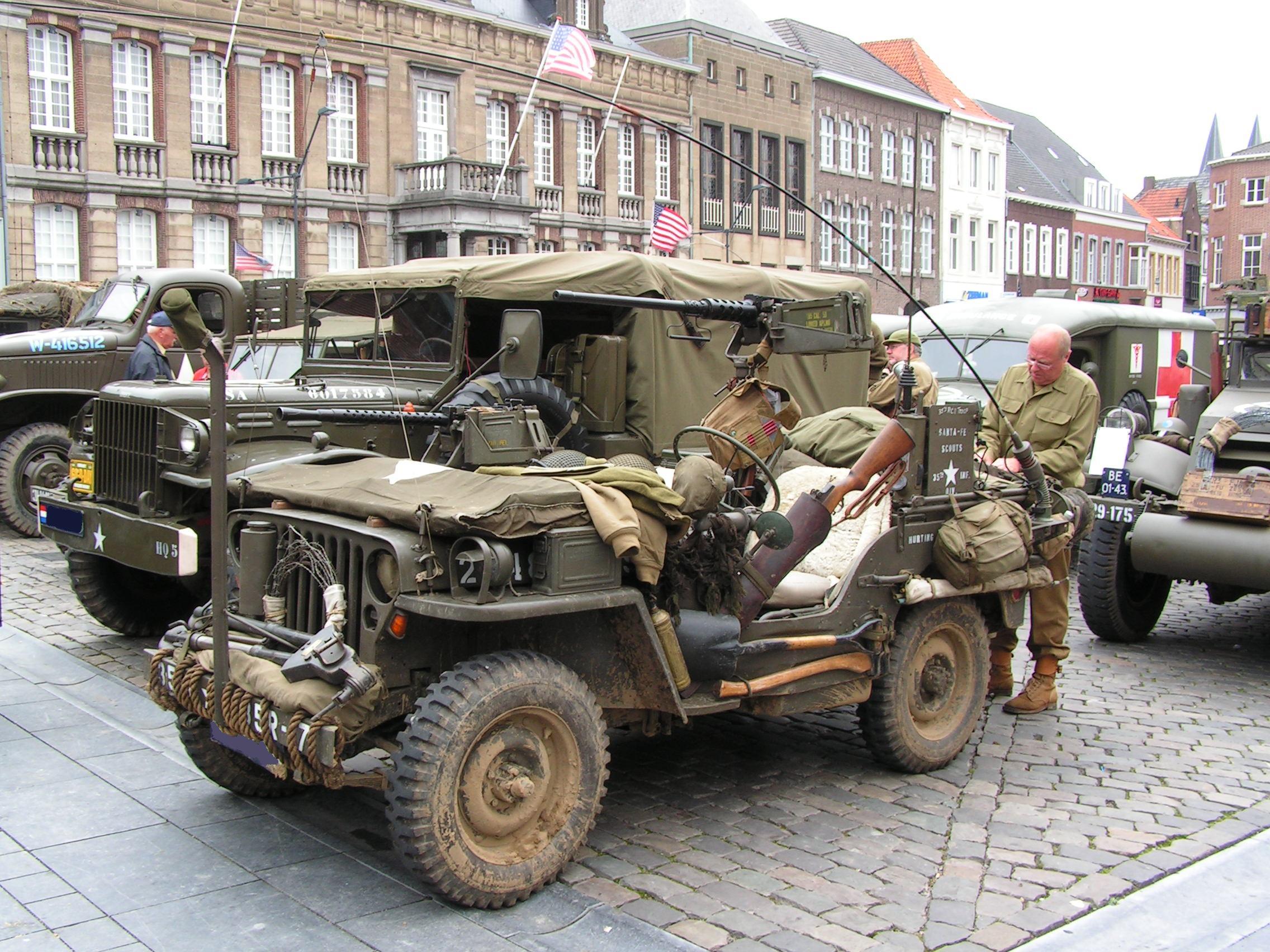 Willys mb (виллис) — американский армейский автомобиль повышенной проходимости. «виллис» выпускал этот джип до последних дней своего существования. Выпущено 101488 экземпляра. Параллельно в 1955—1982 гг.