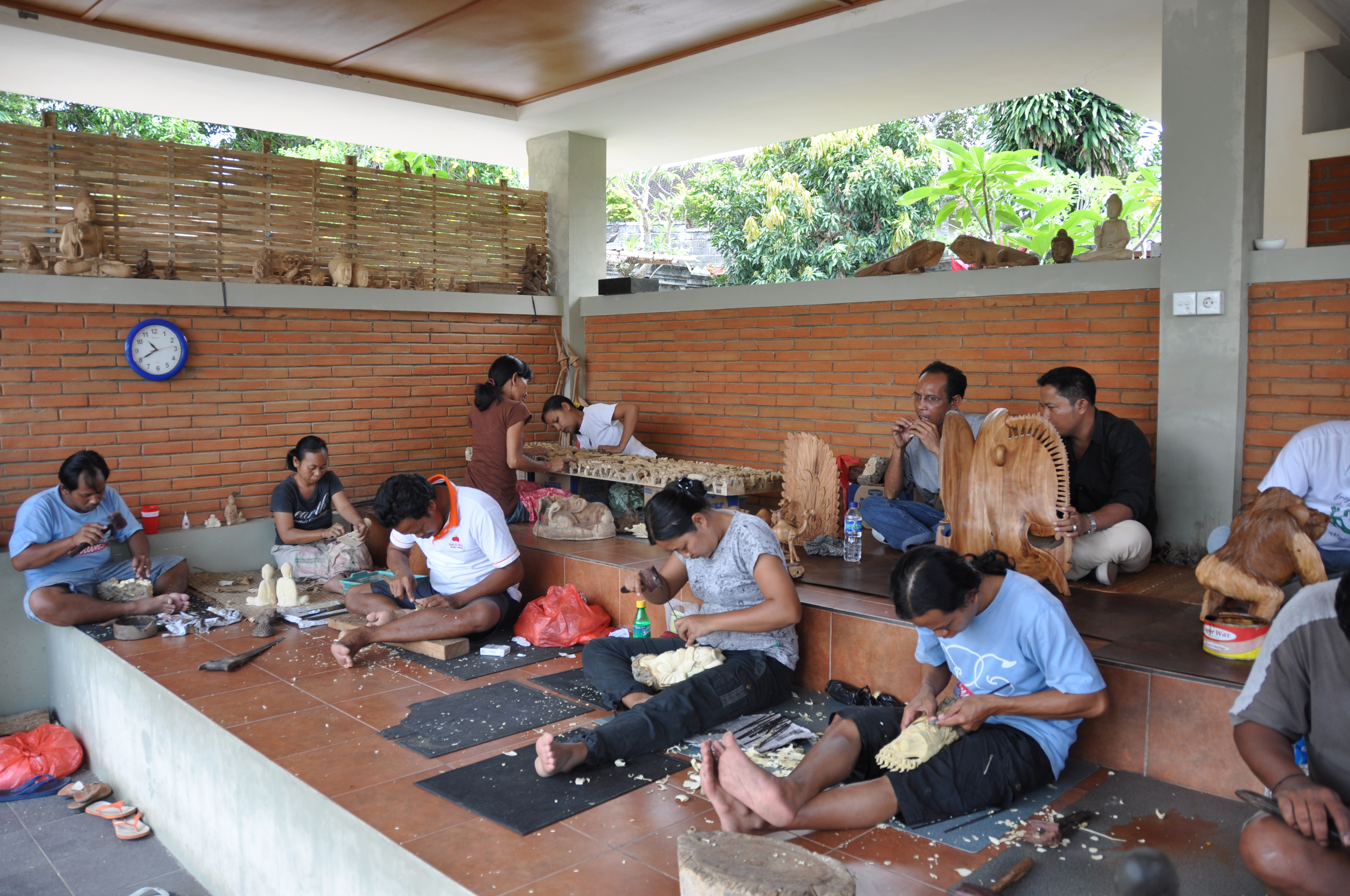 File:Wood carving in Bali jpg - Wikimedia Commons