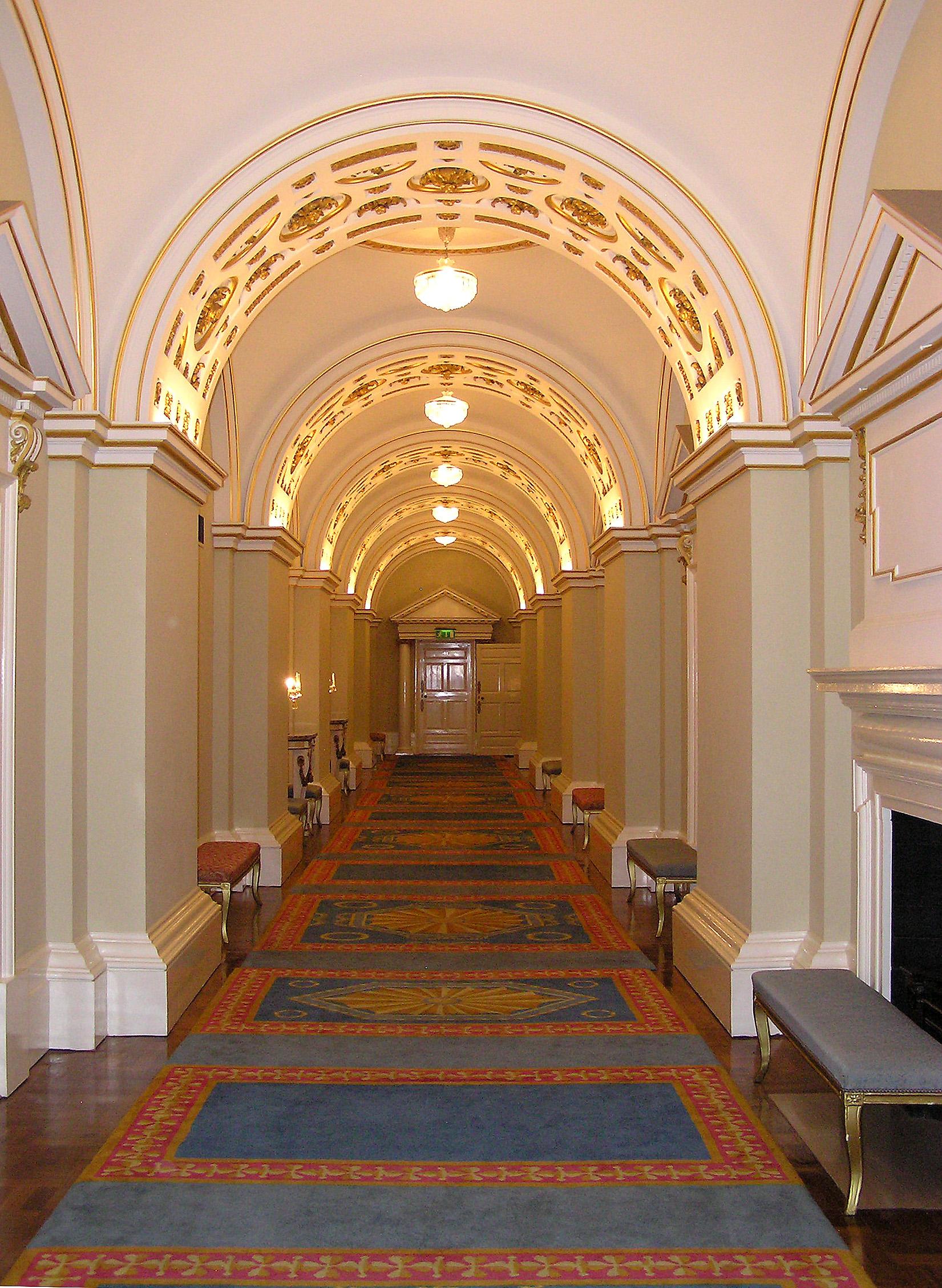 file:(ireland) dublin castle interior (state corridor)