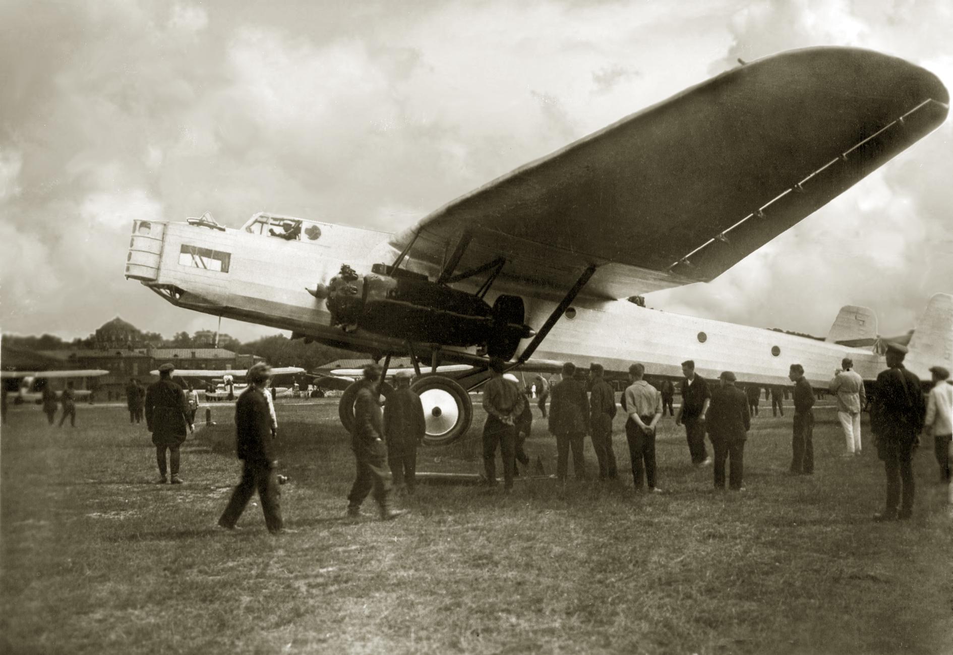 ТБ-5 на Центральном аэродроме.jpg