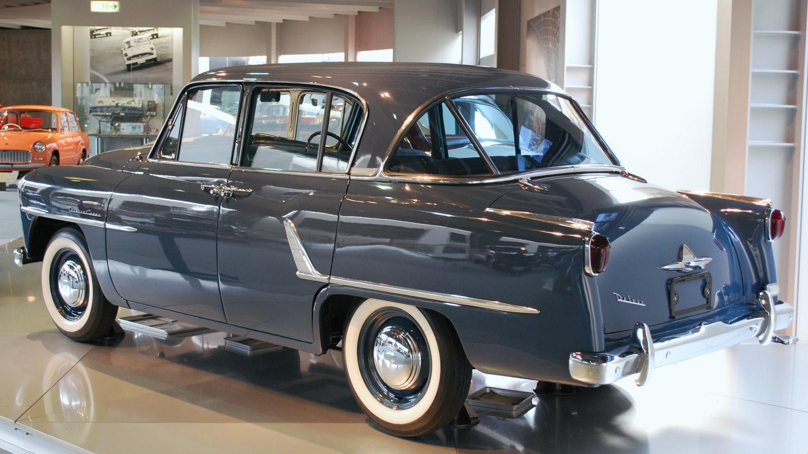 1955 Toyopet Crown 04.jpg