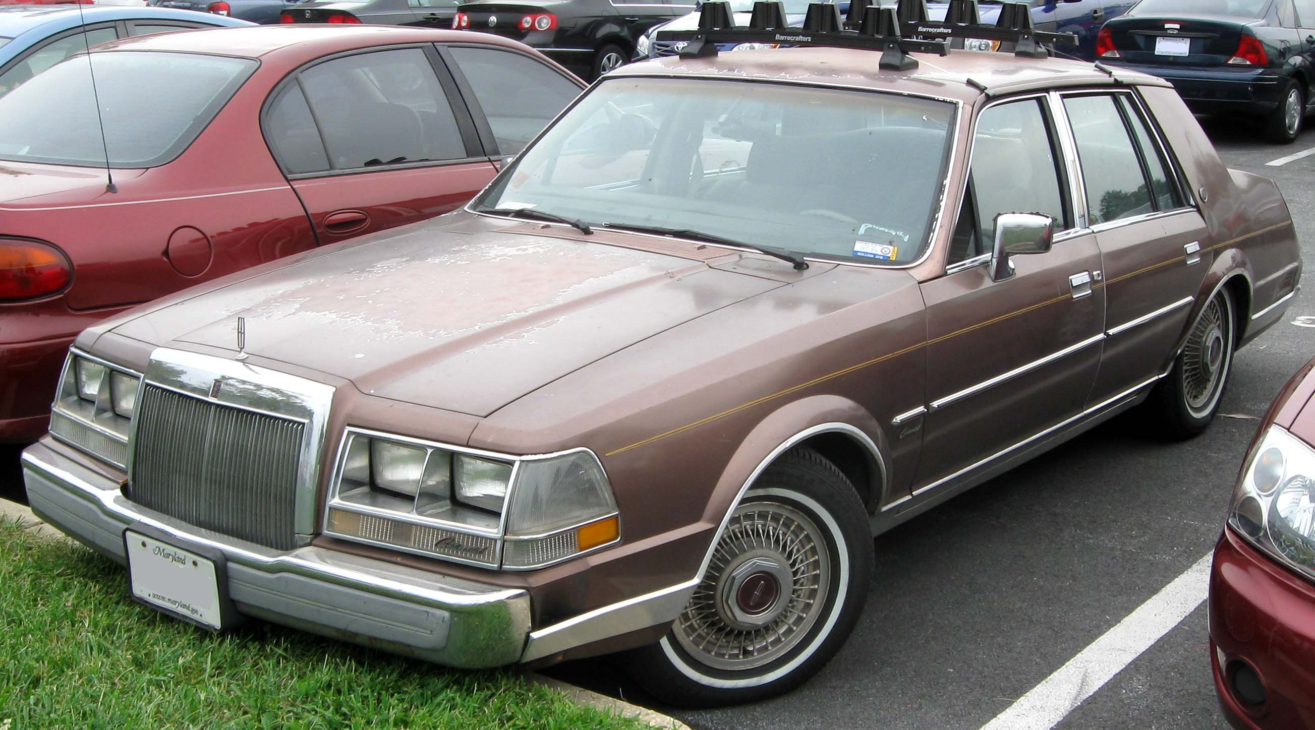 File 1984 1987 Lincoln Continental 09 03 2010 Jpg Wikimedia Commons
