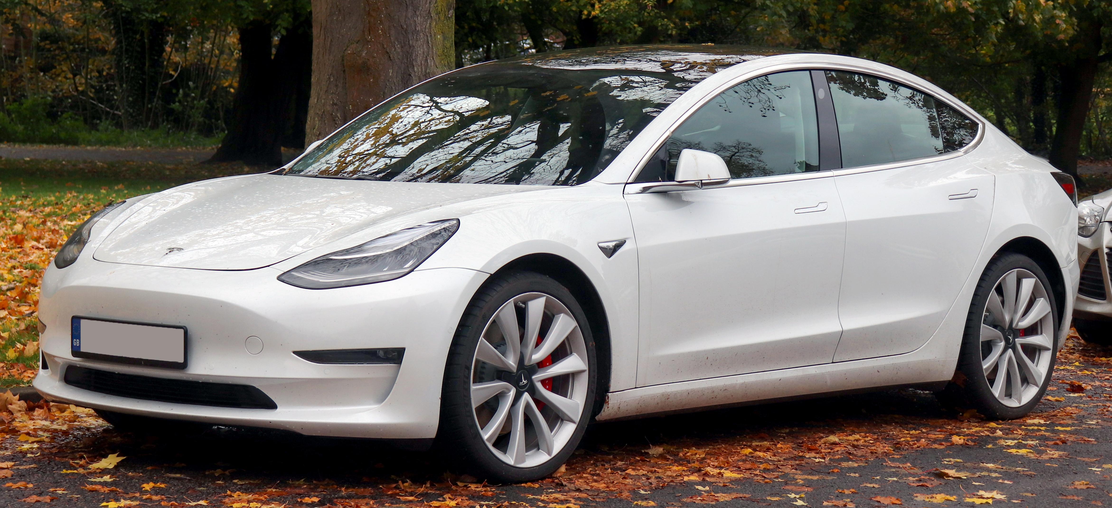 Tesla Model 3 — Вікіпедія