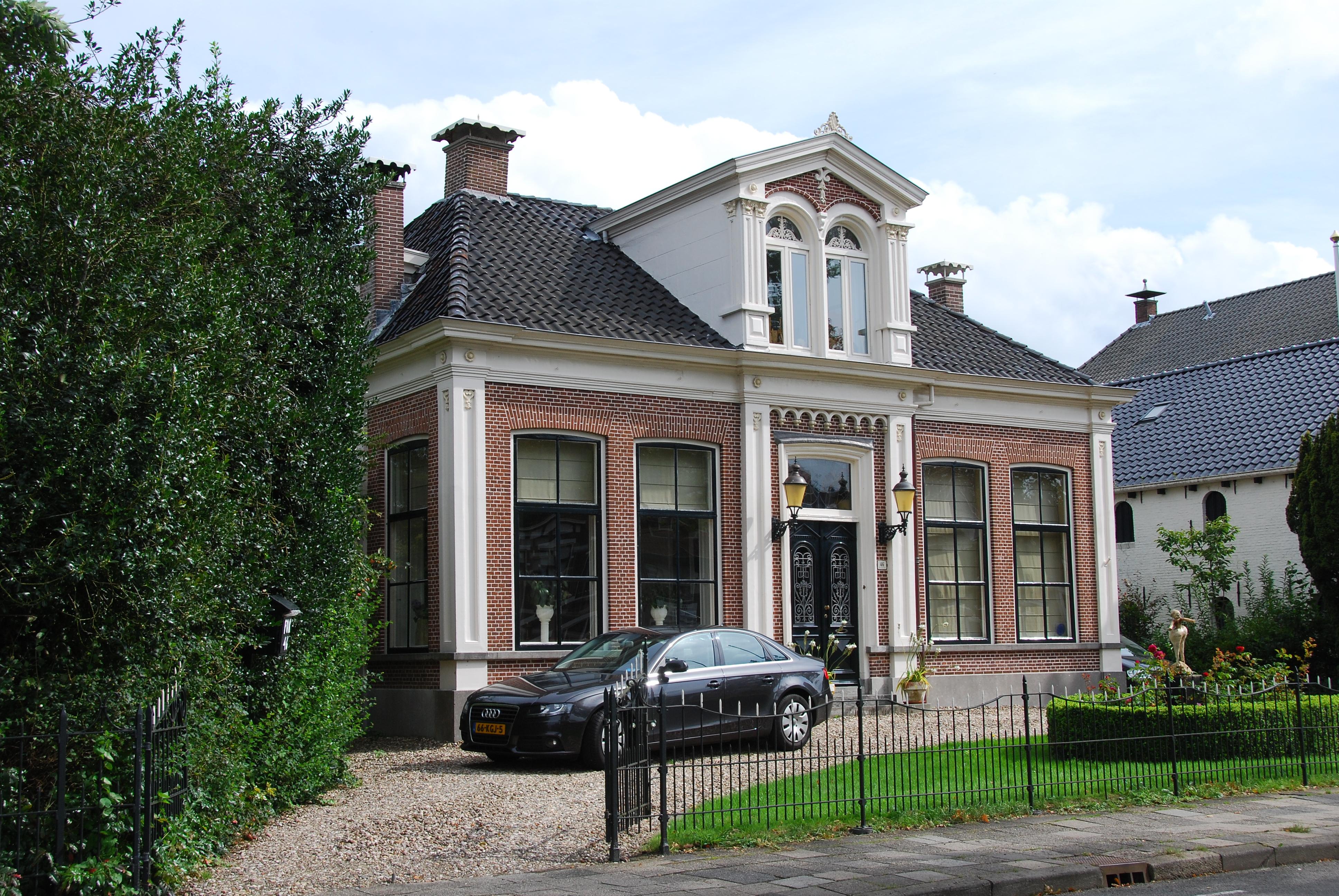Woonhuis in eclectische stijl in heerenveen monument for Eclectische stijl interieur