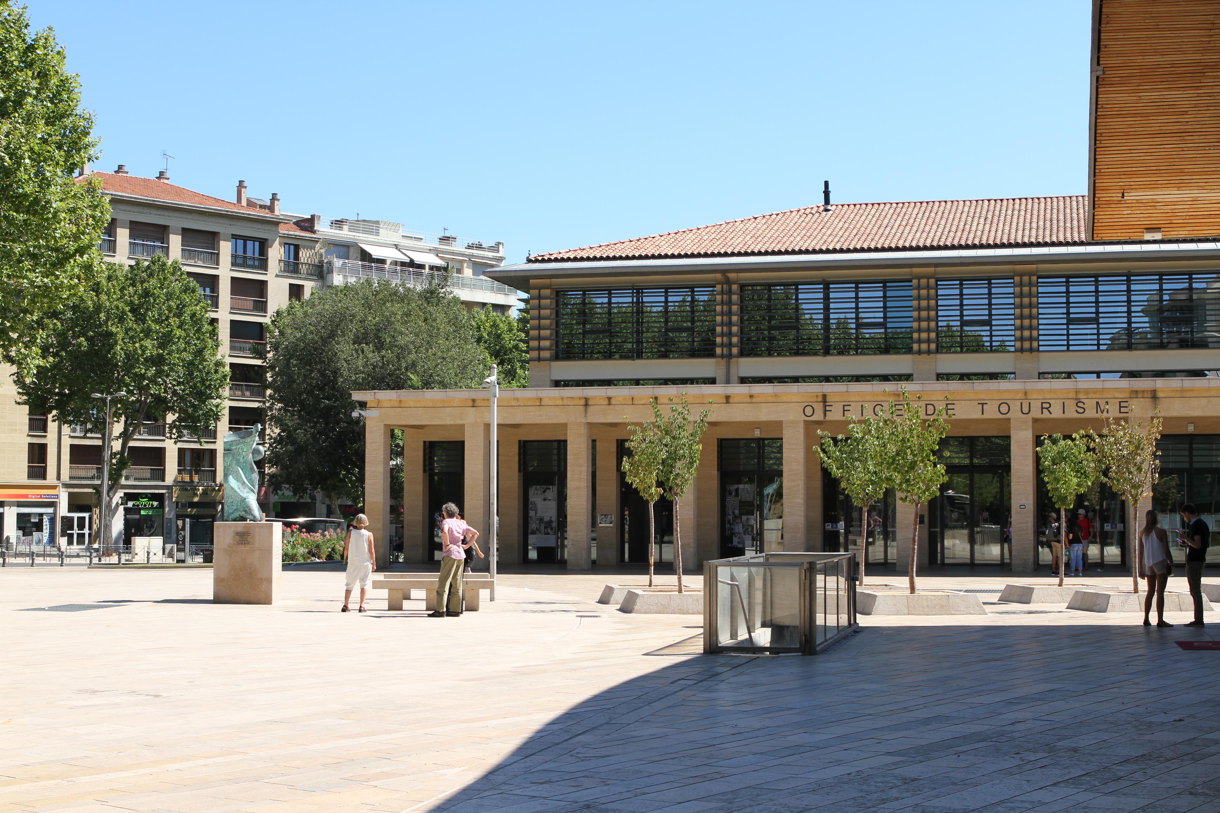 Couleurs Facades En Provence file:aix-en-provence 20160717 21 - wikimedia commons