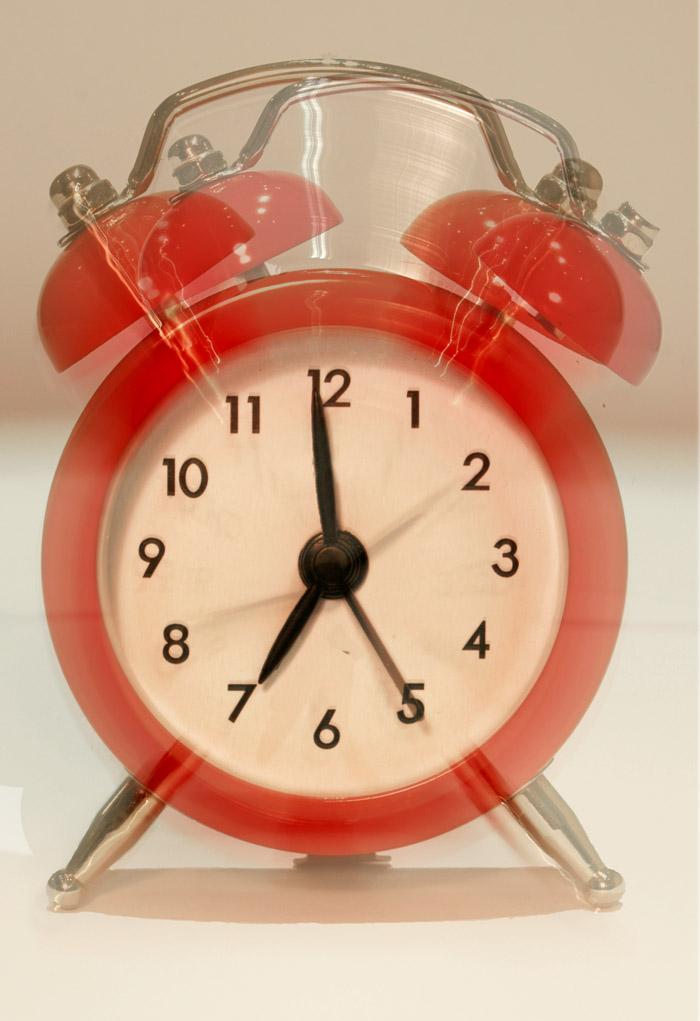 File:Alarm Clock 3.jpg - Wikimedia Commons