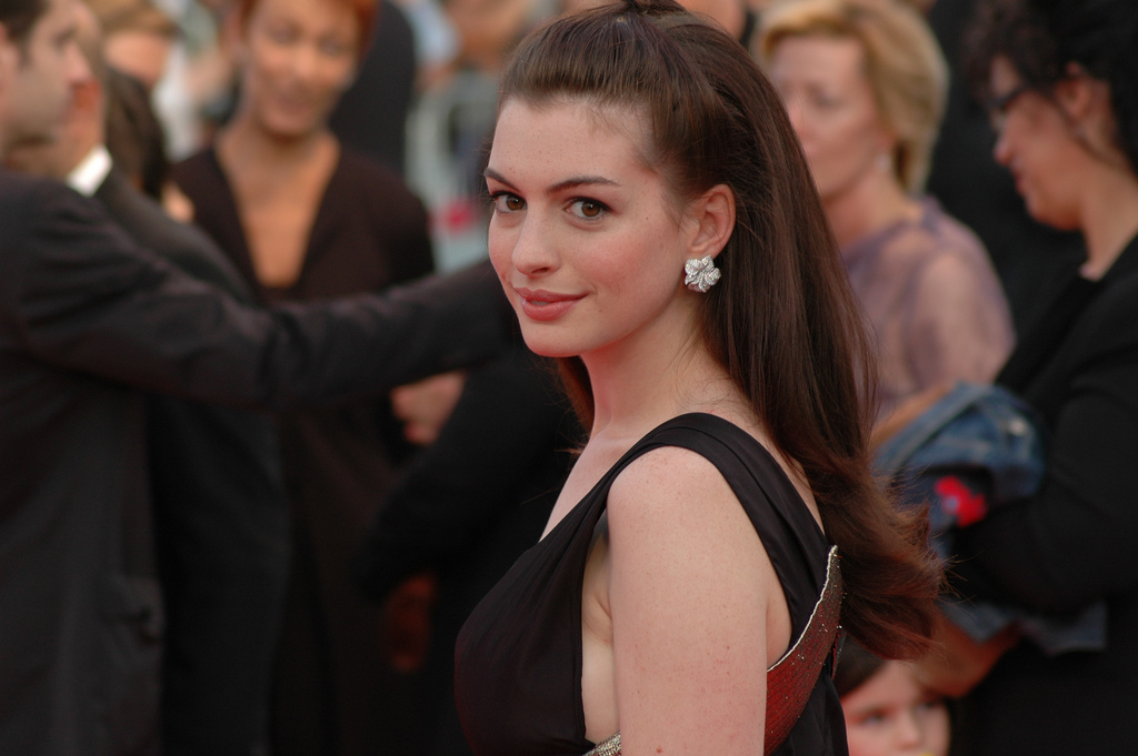 famous people depression anne hathaway