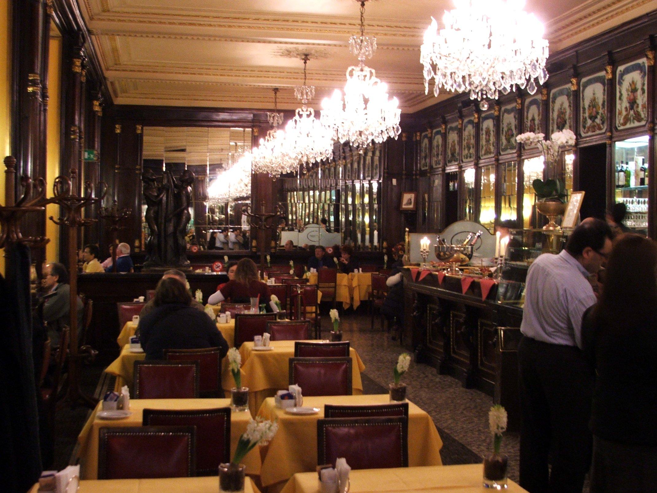 Cafe Restaurant La Roche Sur Le Buis