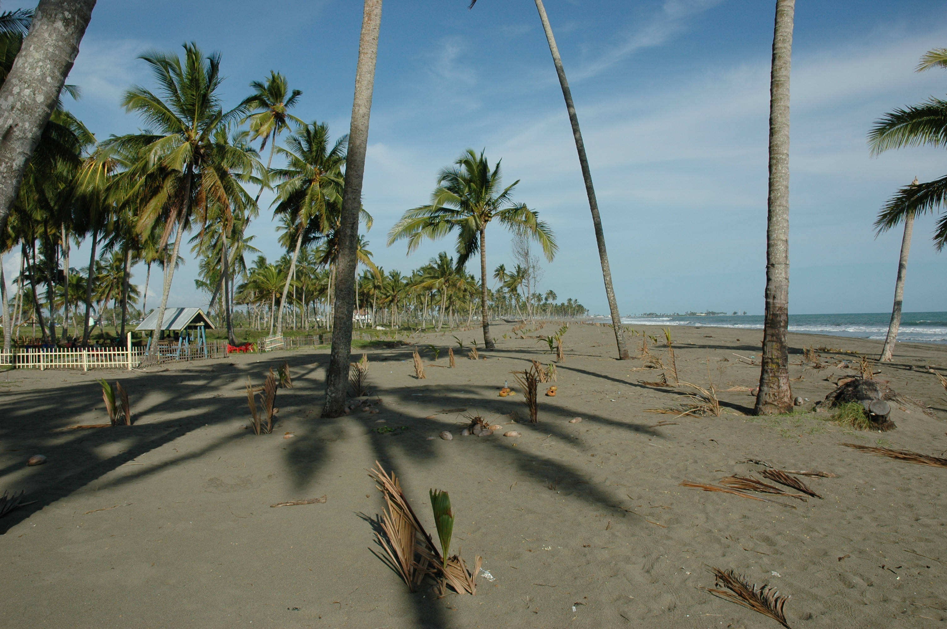 Pantai Batu Putih - Tempat Wisata Keren di Aceh Barat