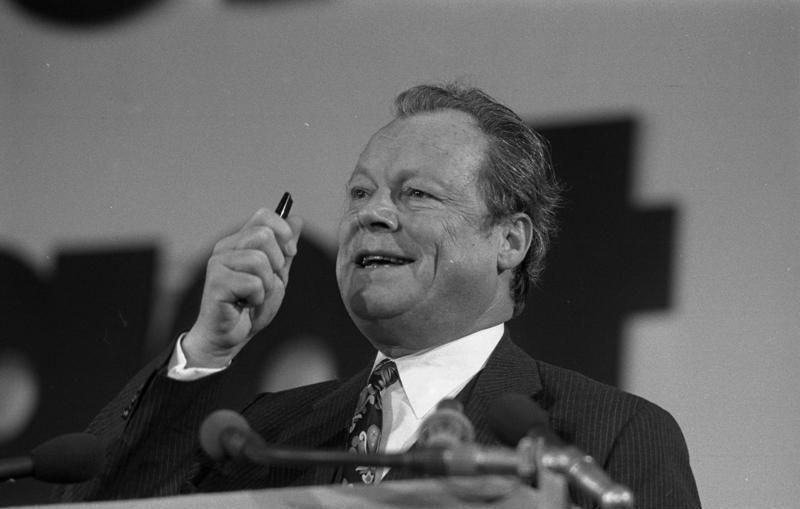File:Bundesarchiv B 145 Bild-F039404-0034, Hannover, SPD-Bundesparteitag, Willy Brandt.jpg