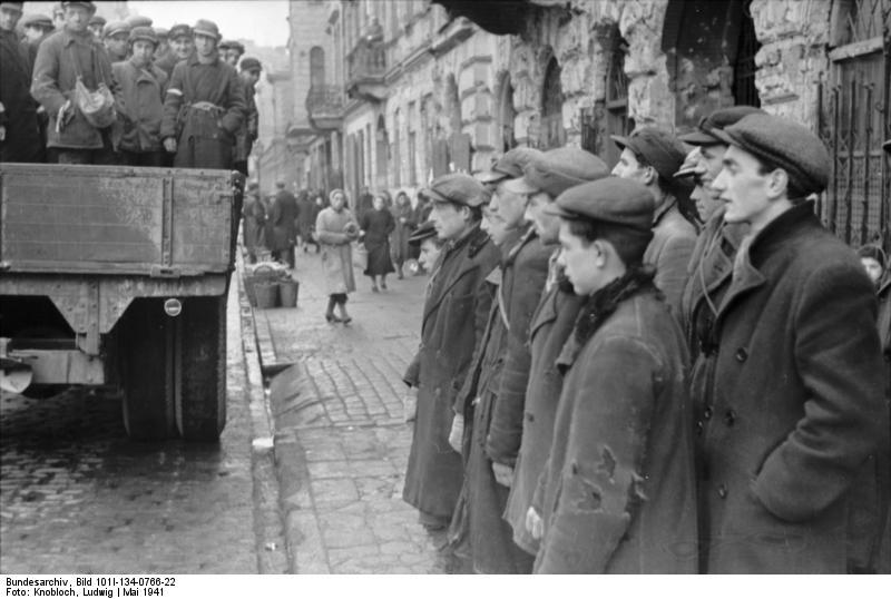 http://upload.wikimedia.org/wikipedia/commons/9/91/Bundesarchiv_Bild_101I-134-0766-22%2C_Polen%2C_Ghetto_Warschau%2C_Juden_auf_LKW.jpg