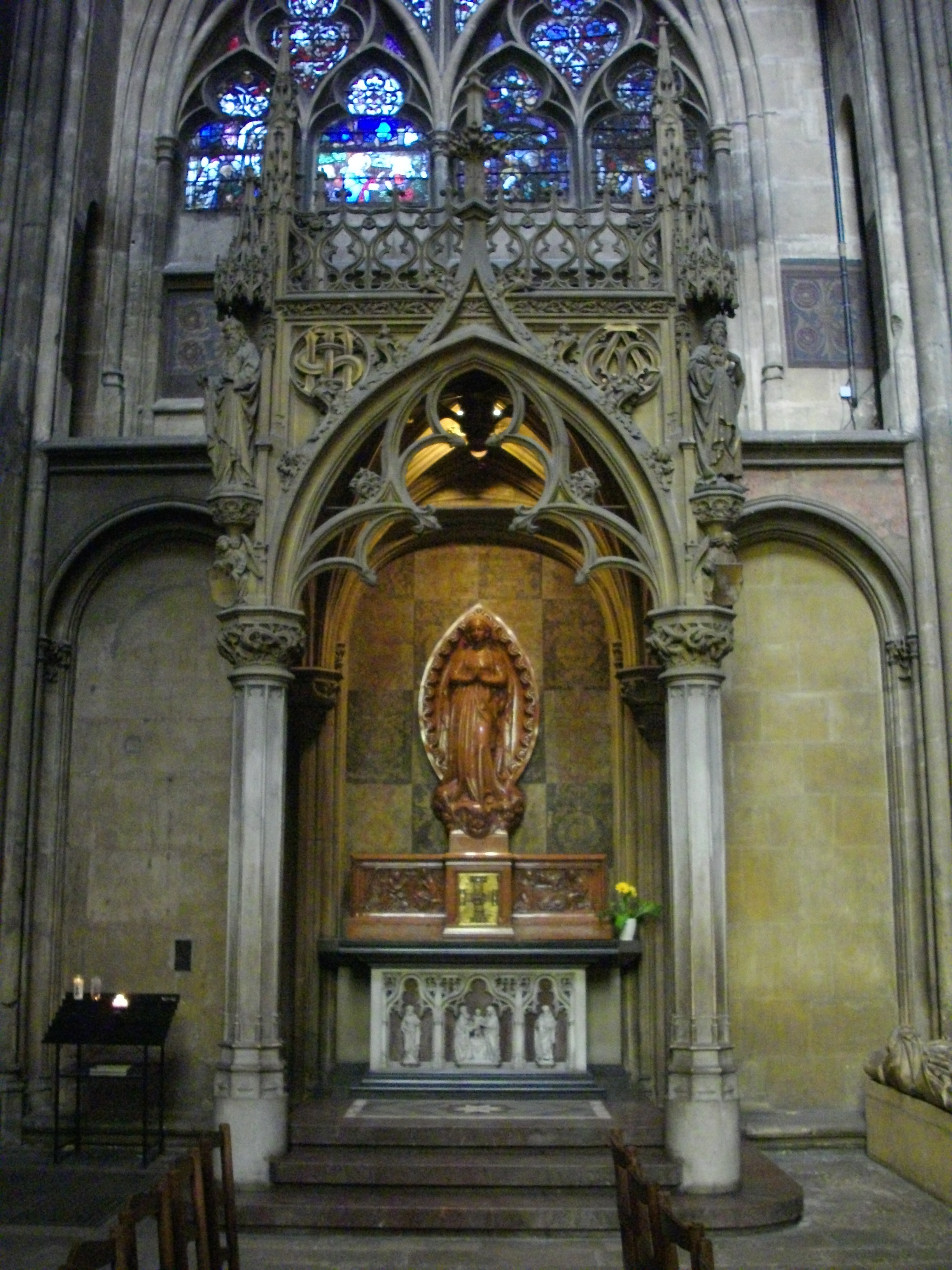File:Cathédrale de Metz - intérieur (04).JPG - Wikimedia Commons
