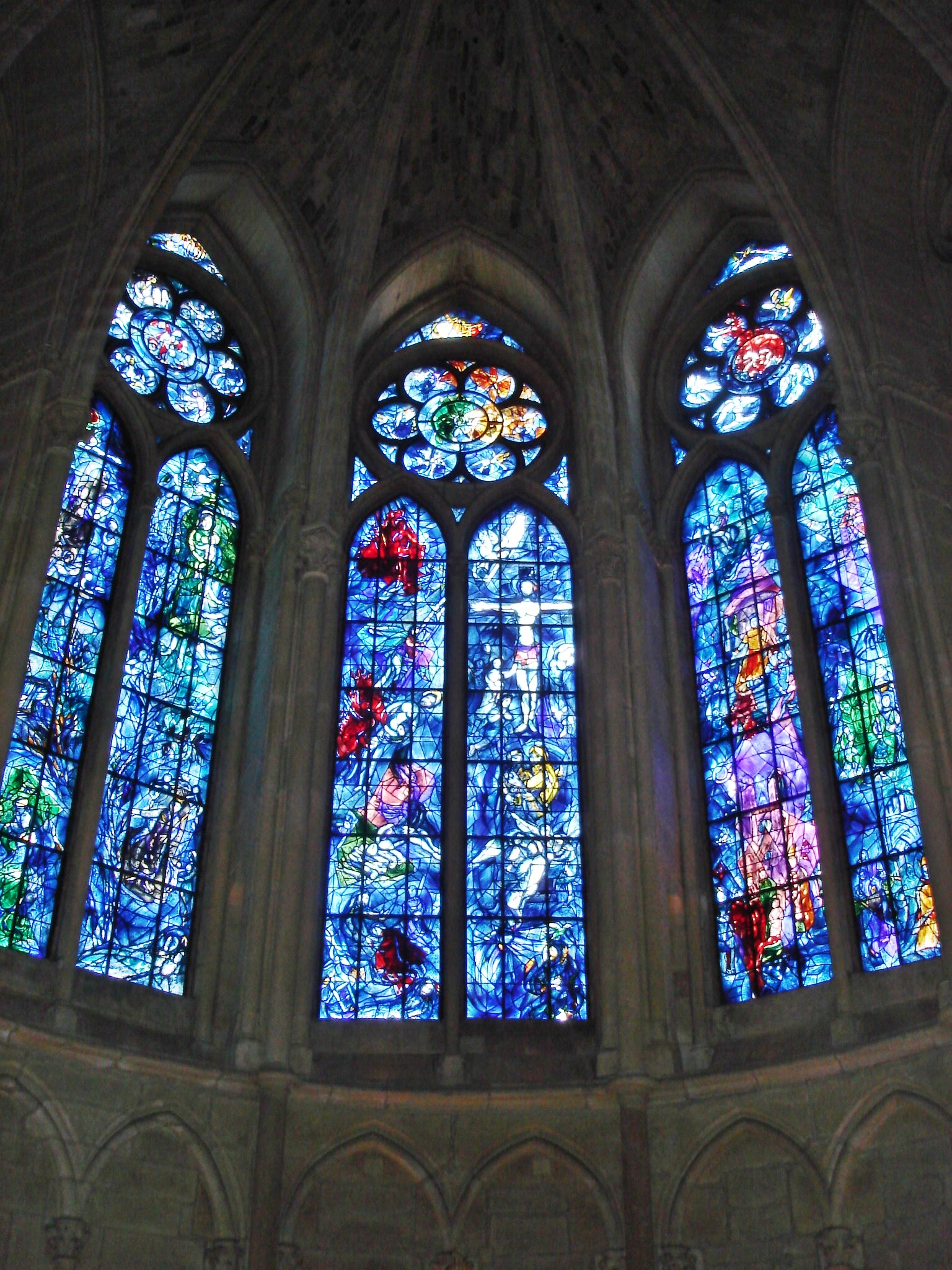 Chagall windows Reims Cathedral.JPG