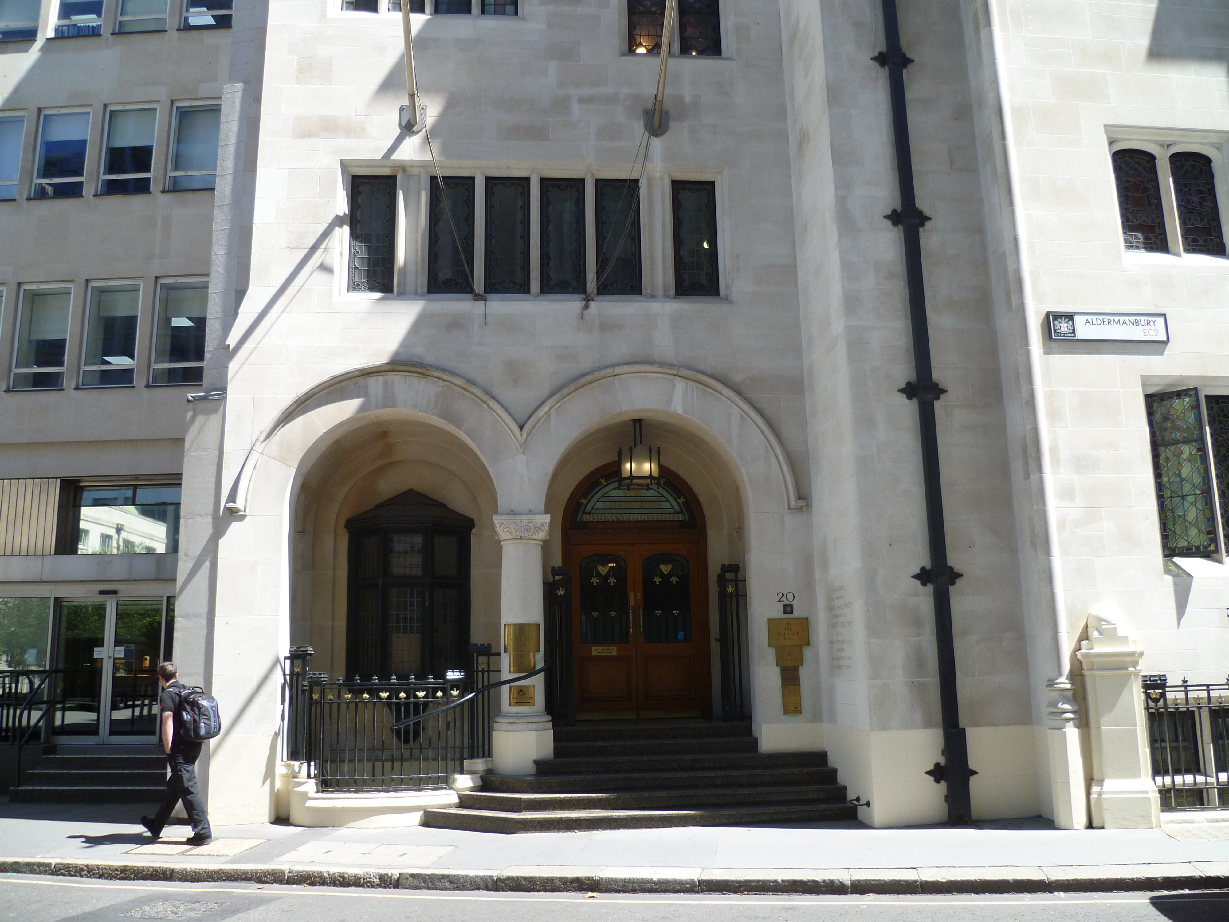 FileChartered Insurance Institute Aldermanbury London 01JPG