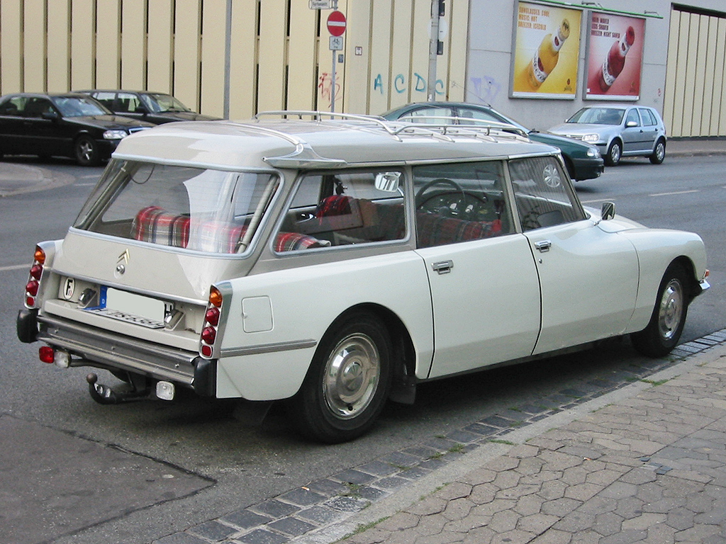 Citroen_ds_break_h_sst.jpg
