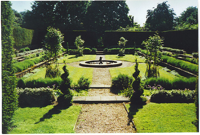 Beau File:Clandon Park, The Dutch Garden   Geograph.org.uk   101681